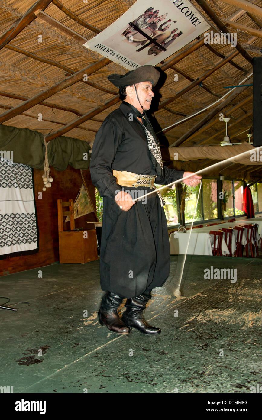 Argentinische Gaucho Malambo, ein traditioneller Volkstanz Tanz