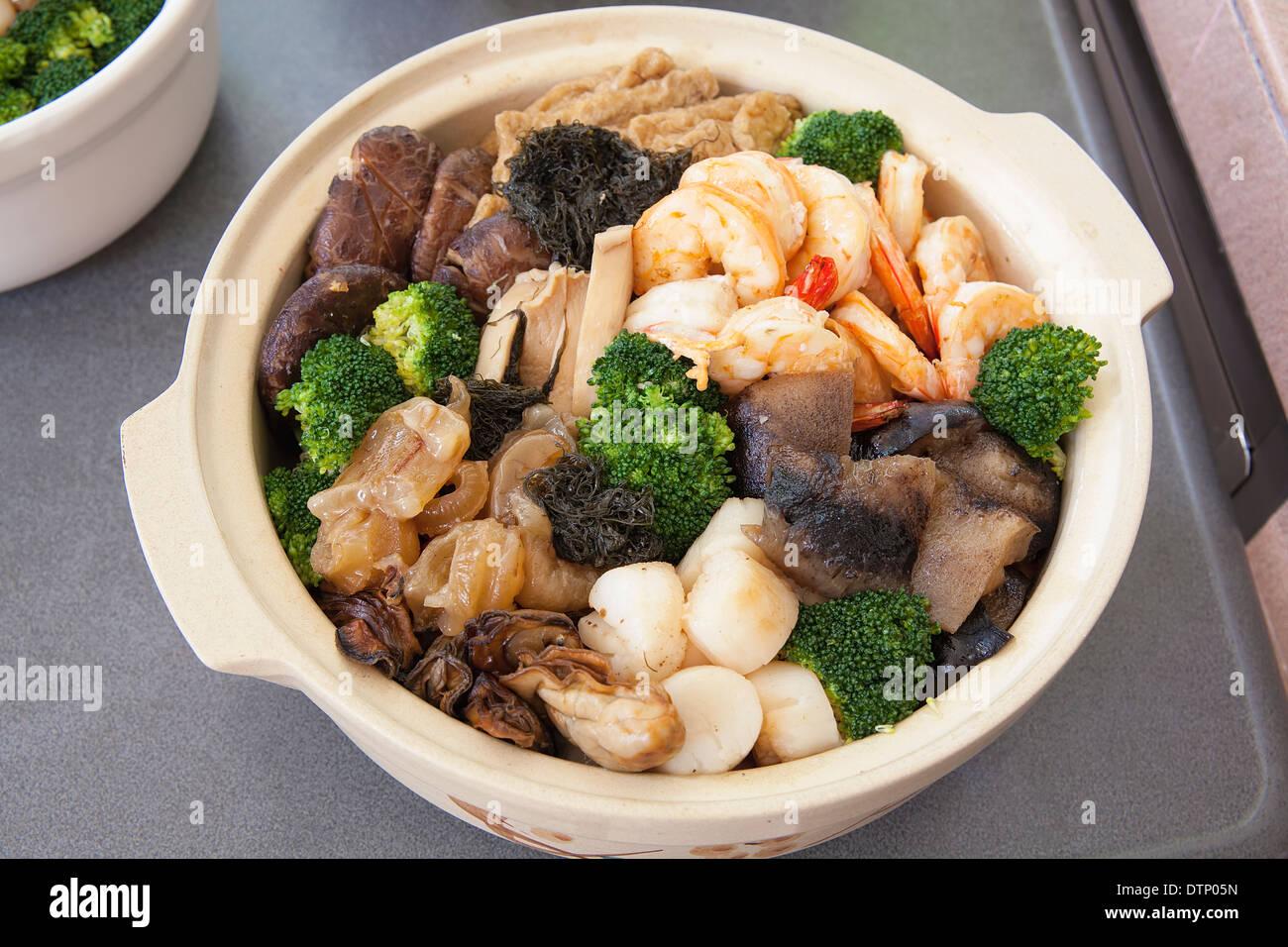 Kantonesische Küche | Poon Choi Hong Kong Kantonesische Kuche Grosses Fest Schale Fur