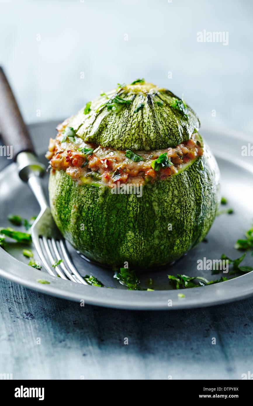 Runde Zucchini gefüllt Stockbild