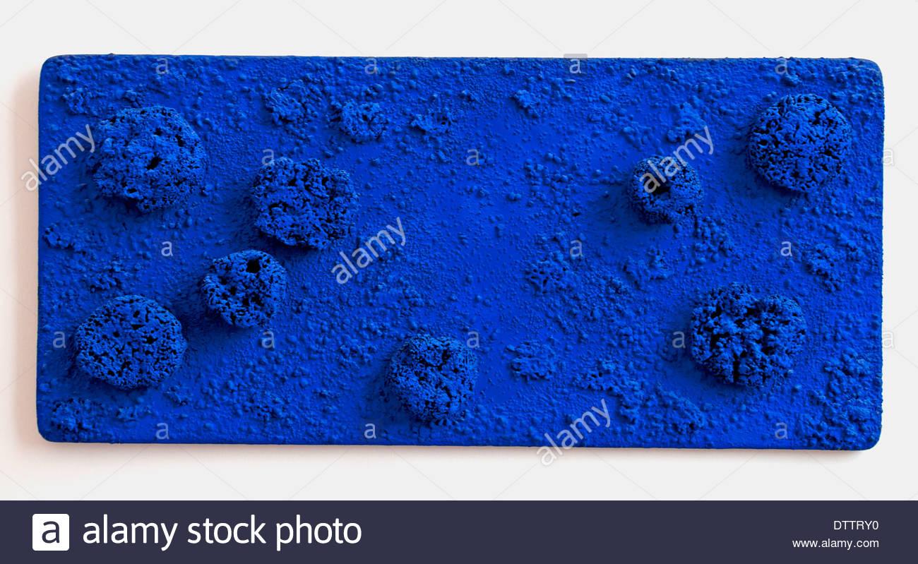 RE 48: Sol blauen Schwamm Yves Klein Frankreich Französisch Stockbild