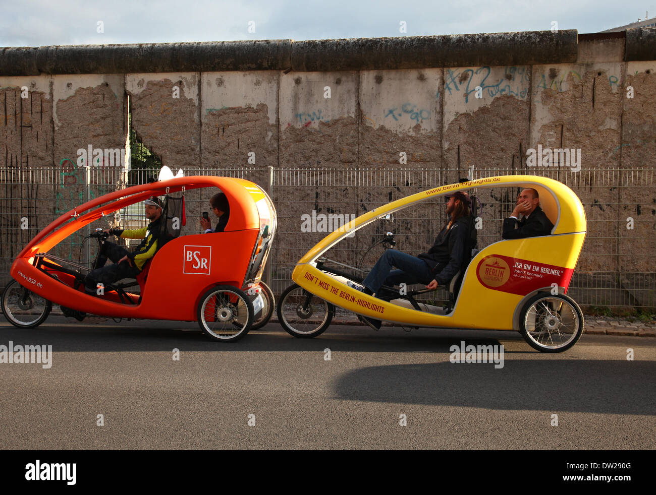 velo taxi stockfotos velo taxi bilder alamy. Black Bedroom Furniture Sets. Home Design Ideas