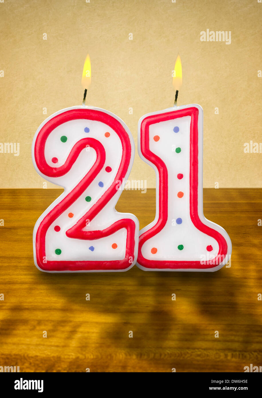 Brennende Geburtstag Kerzen Nummer 21 Stockbild