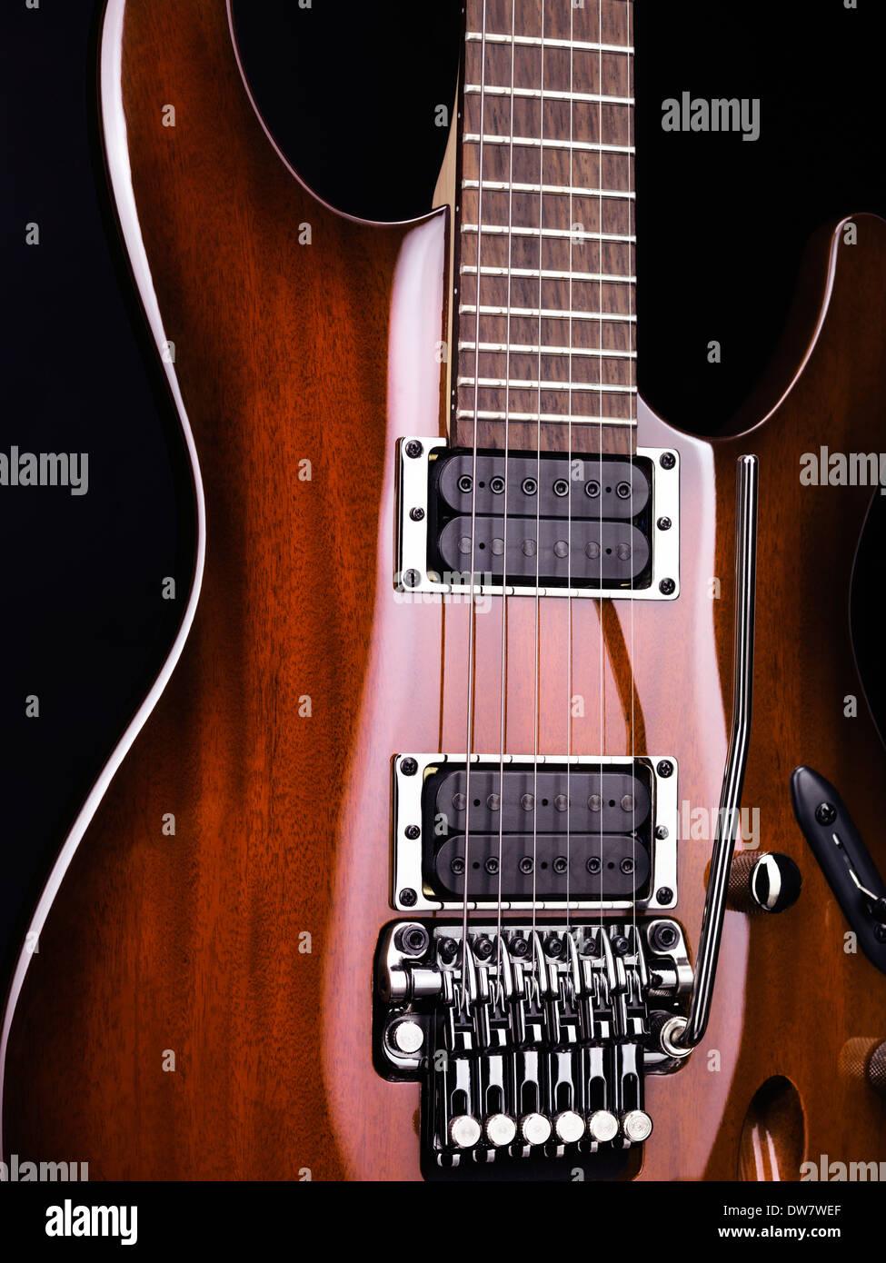 Atemberaubend Verkabelung Gitarre Galerie - Elektrische Schaltplan ...