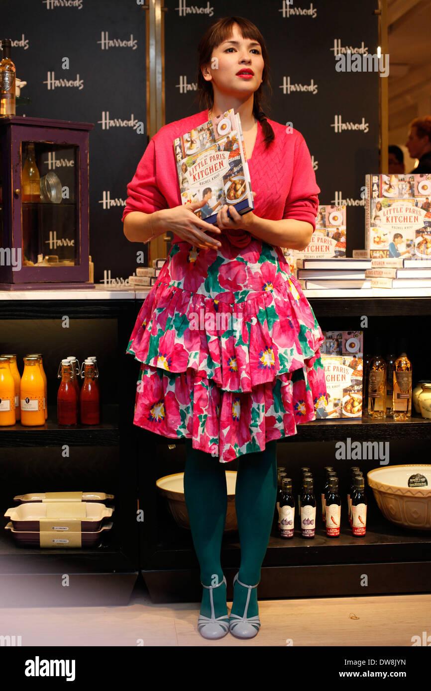 Rachel Khoo aus der BBC TV-Serie The Little Paris Küche Stockfoto ...