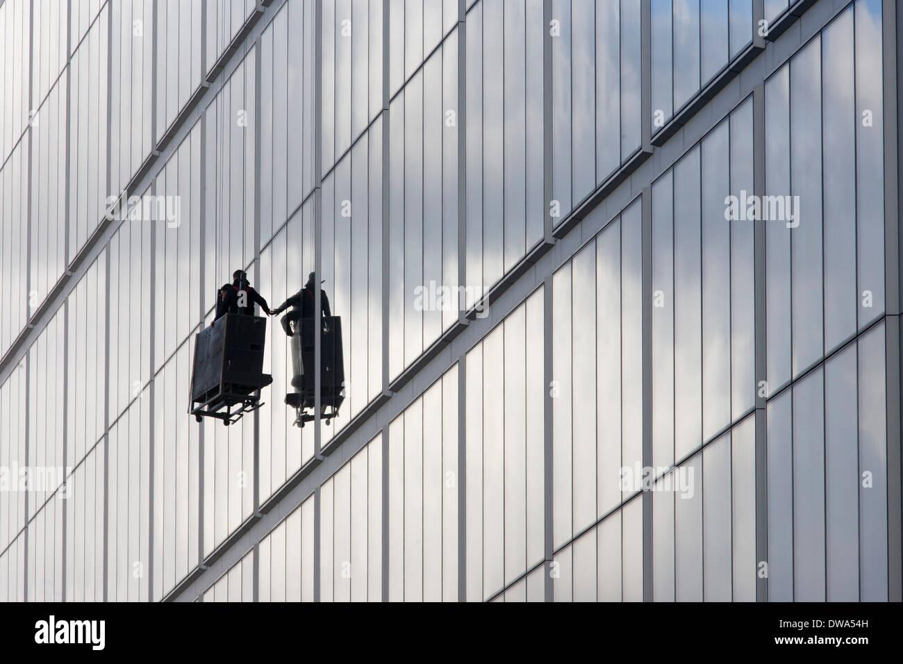 Offices In London Uk Stockfotos & Offices In London Uk Bilder ...