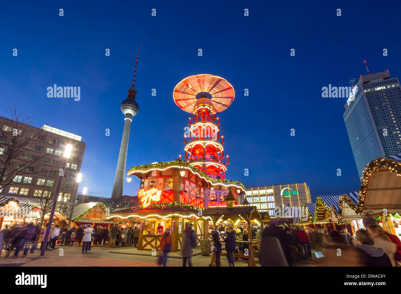 weihnachten markt alexanderplatz fernsehturm berlin. Black Bedroom Furniture Sets. Home Design Ideas