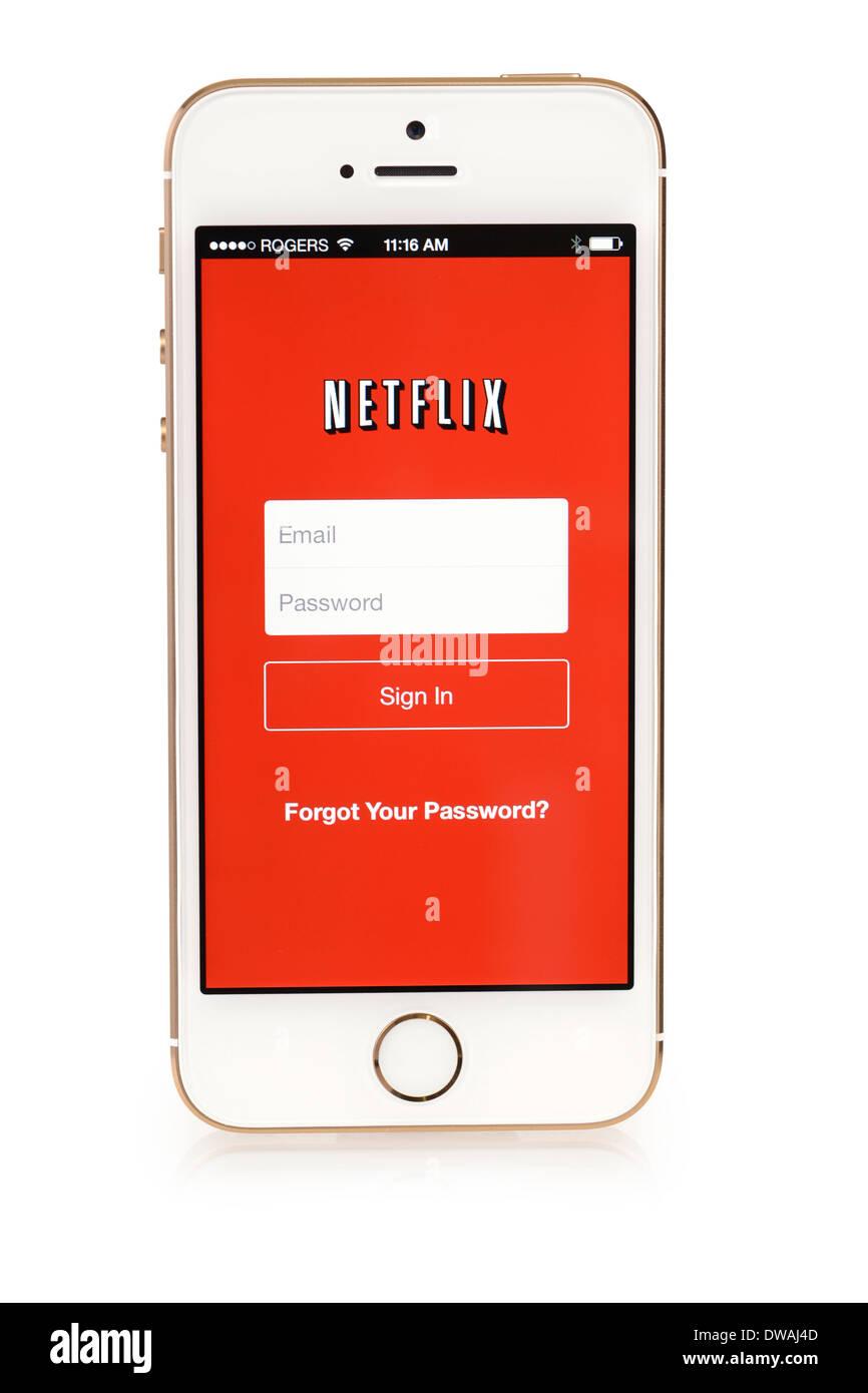 Netflix auf iPhone 5 s, Netflix App Sign in Bildschirm läuft auf iPhone 5 S Stockbild