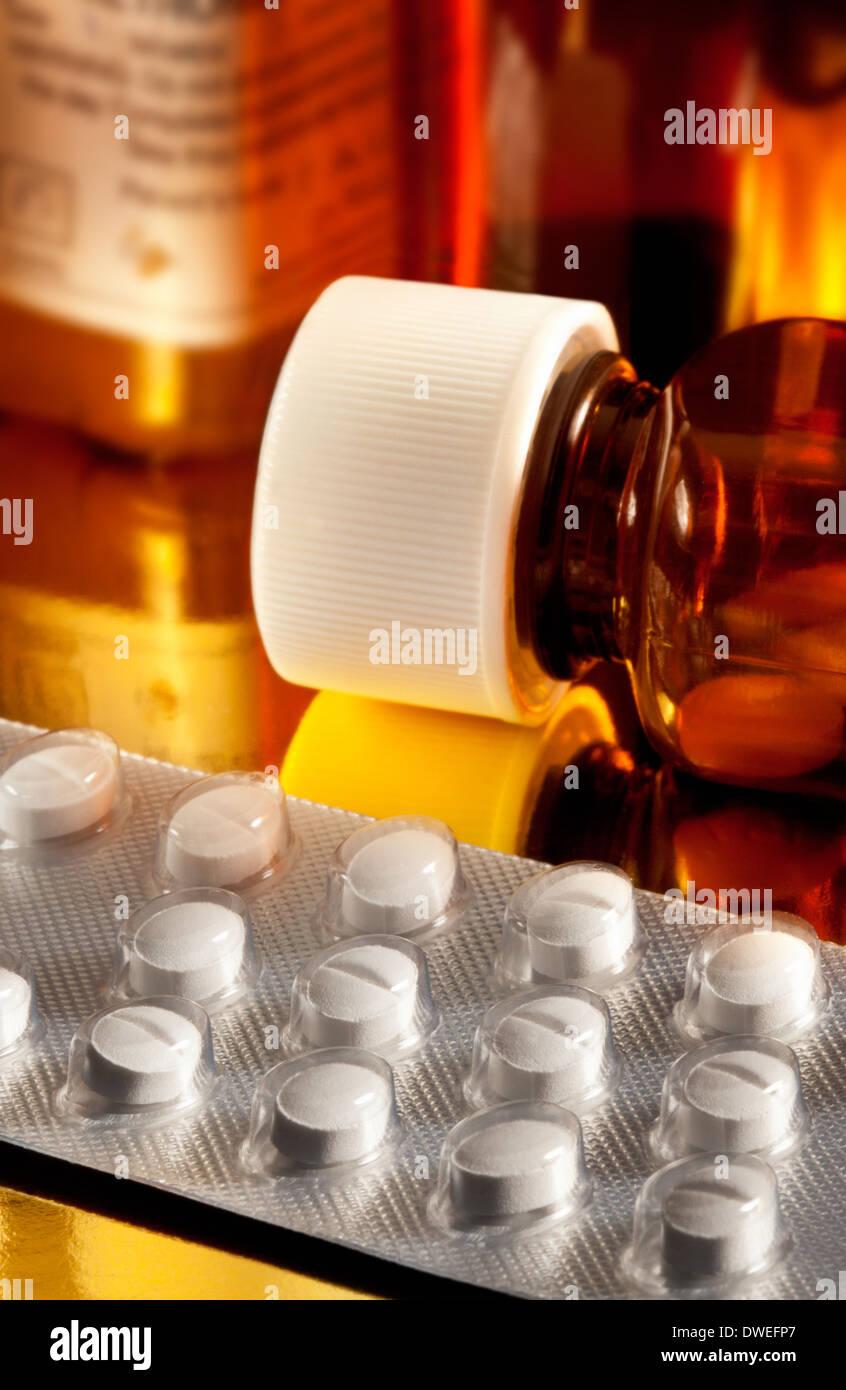 Drogen - medizinische Pillen oder Tabletten Stockfoto