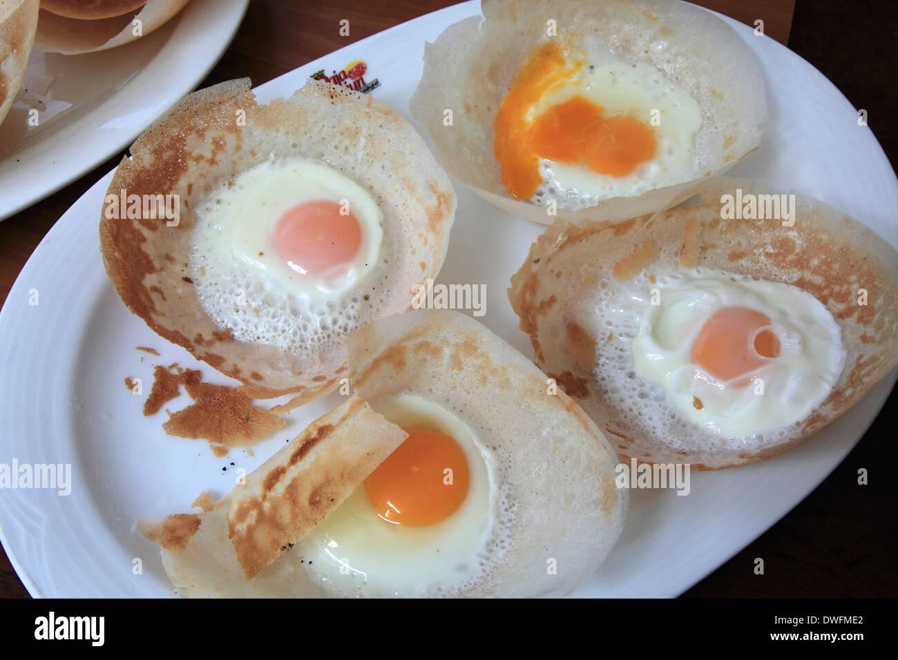 Sri Lanka; Colombo Hoppers mit Ei, lokale Küche Stockfoto, Bild ...