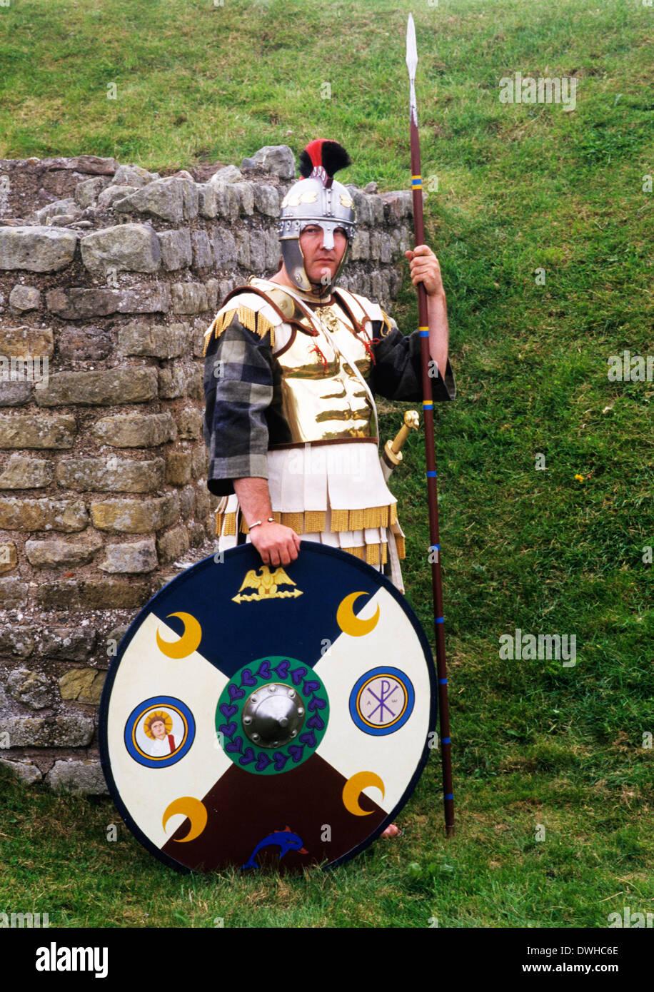 Romano-britischen Krieger, 5. Jahrhundert, Typenschilder, Roman Army Reenactment Soldat Soldaten zusätzliche Rüstung Waffen England UK Stockbild