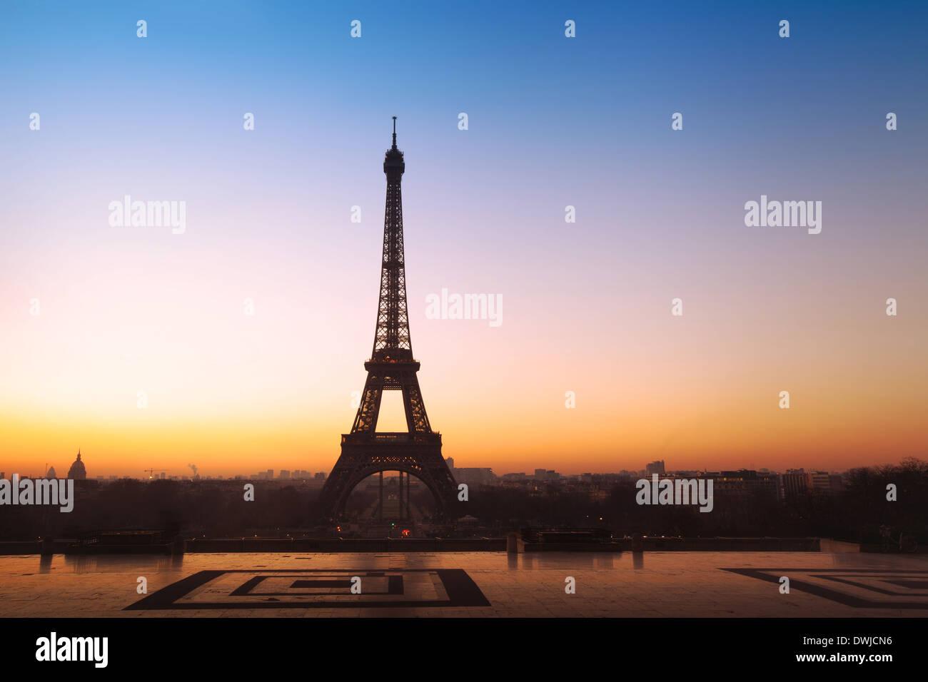 schöner Panoramablick auf den Eiffelturm in Paris, Frankreich Stockbild