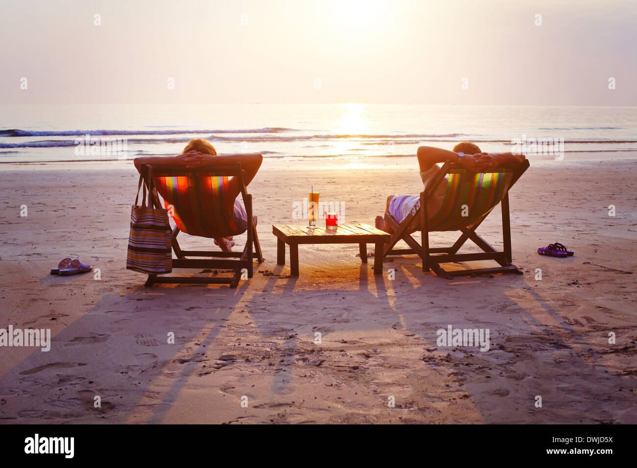 Entspannen Sie am Strand Stockbild