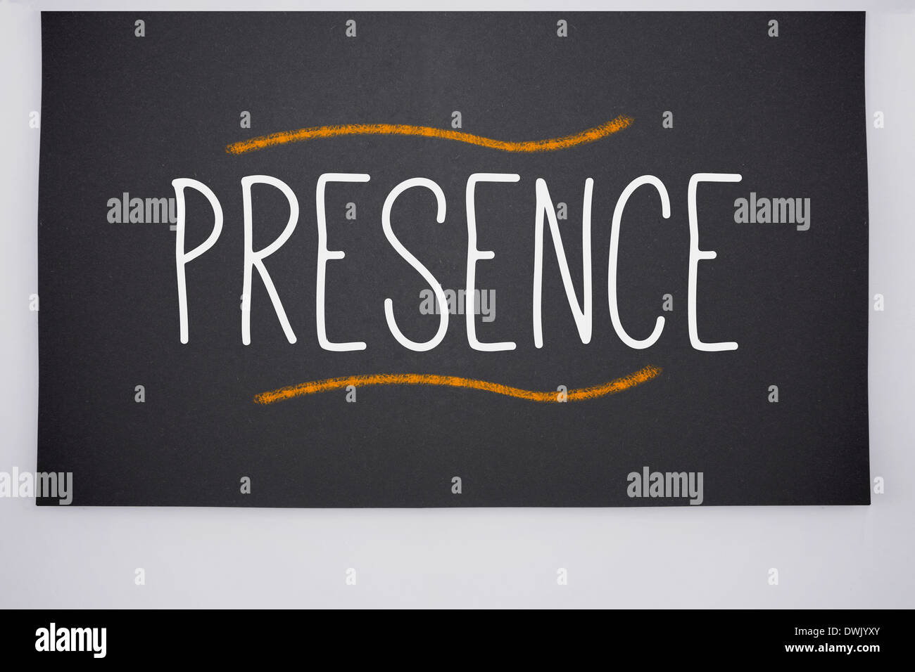 Präsenz auf große Tafel geschrieben Stockbild