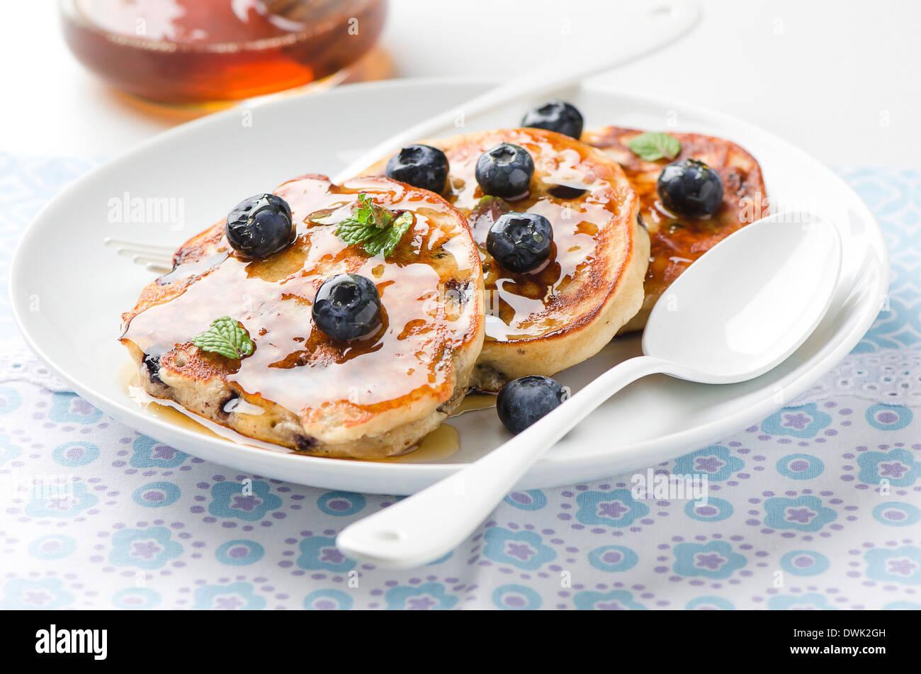 Pfannkuchen mit Heidelbeeren Stockbild