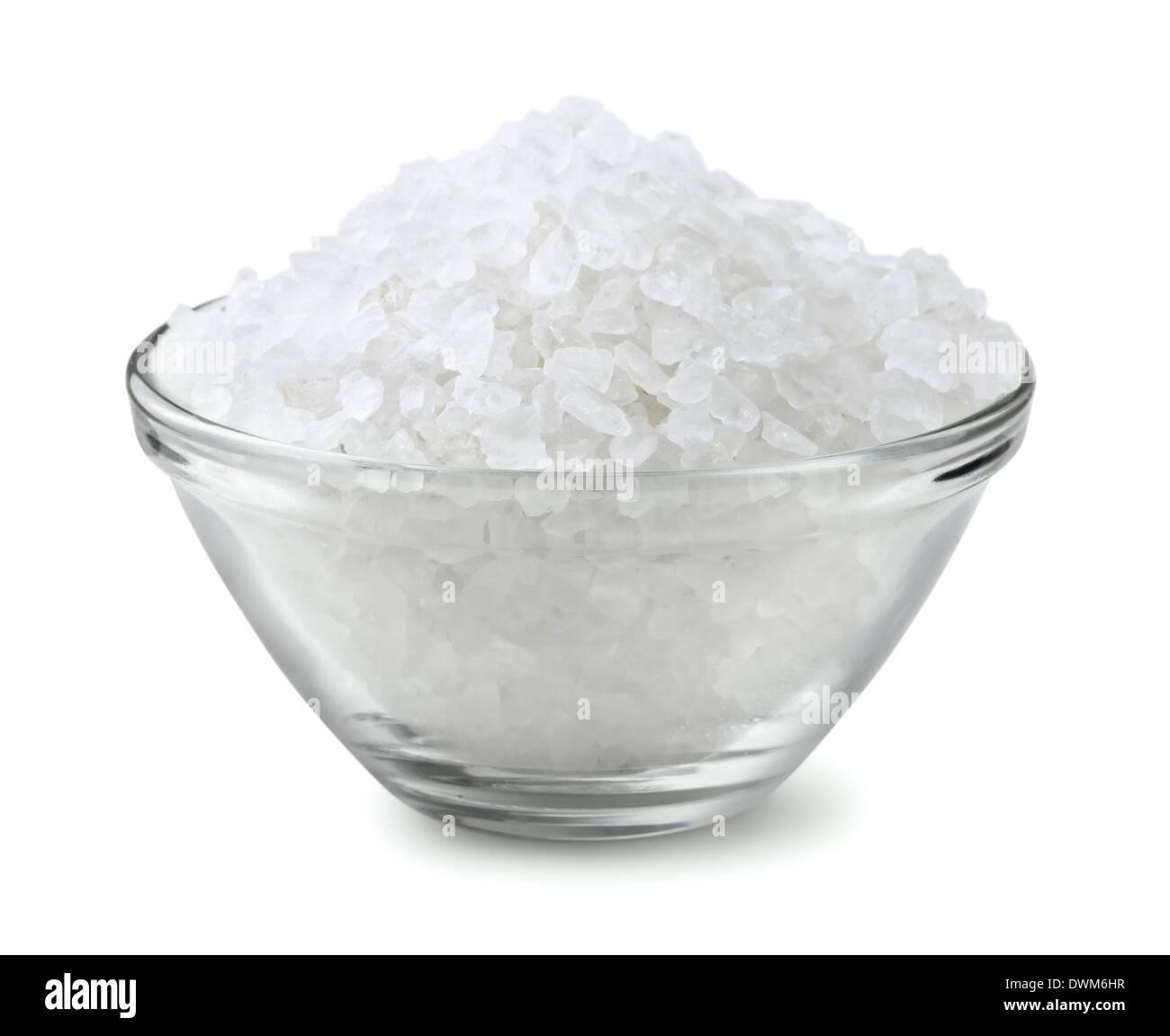 Glasschale Salz isoliert auf weiss Stockbild