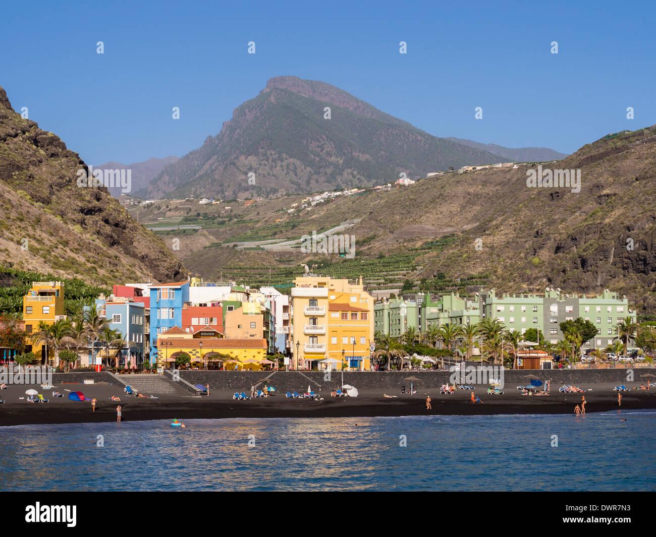 Der schwarze Strand von Puerto de Tazacorte auf der Kanareninsel La Palma. Stockbild