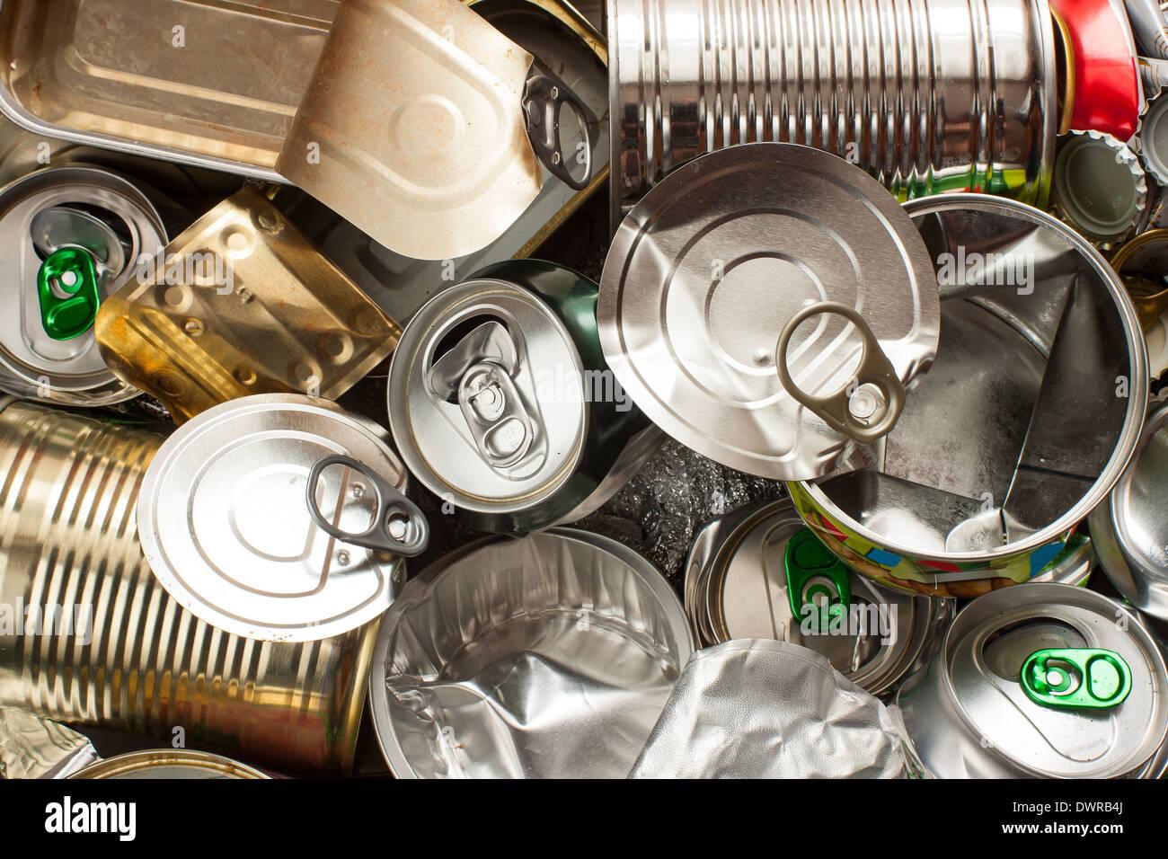 Getrennte Metall Abfälle bereit bis hin zum recycling Stockbild