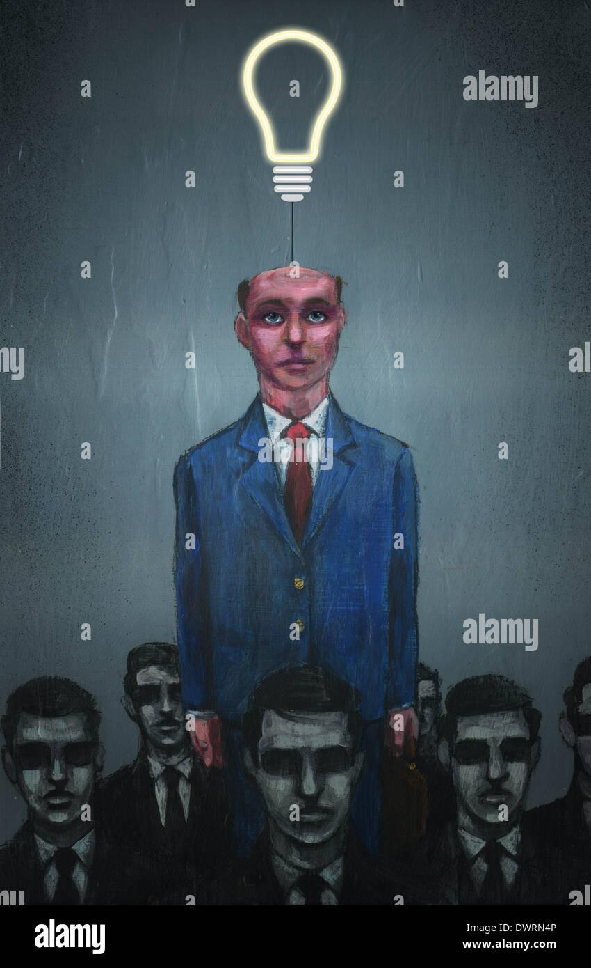 Anschauliches Bild der Geschäftsmann mit Glühbirne, die sich aus Kopf, Individualität darstellt Stockbild