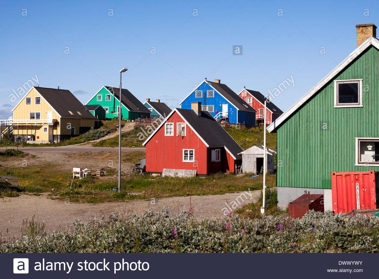 Bunte Holzhäuser, Grönland, Europa Stockbild