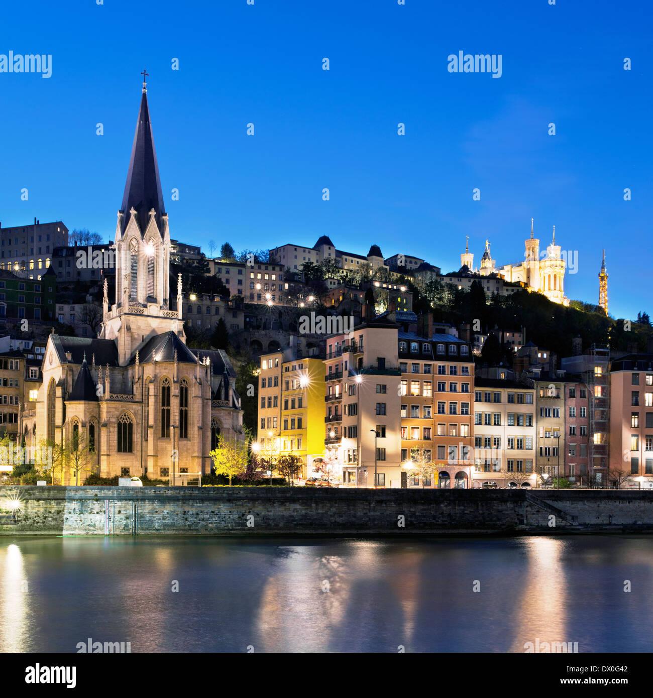 Blick auf Lyon in der Nacht Stockbild