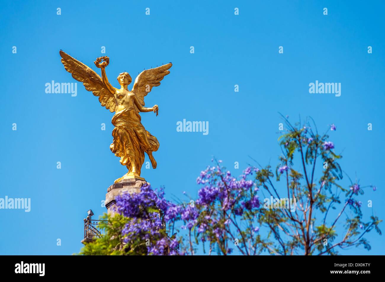 Goldene farbige Engel der Unabhängigkeit in Mexiko-Stadt Stockbild