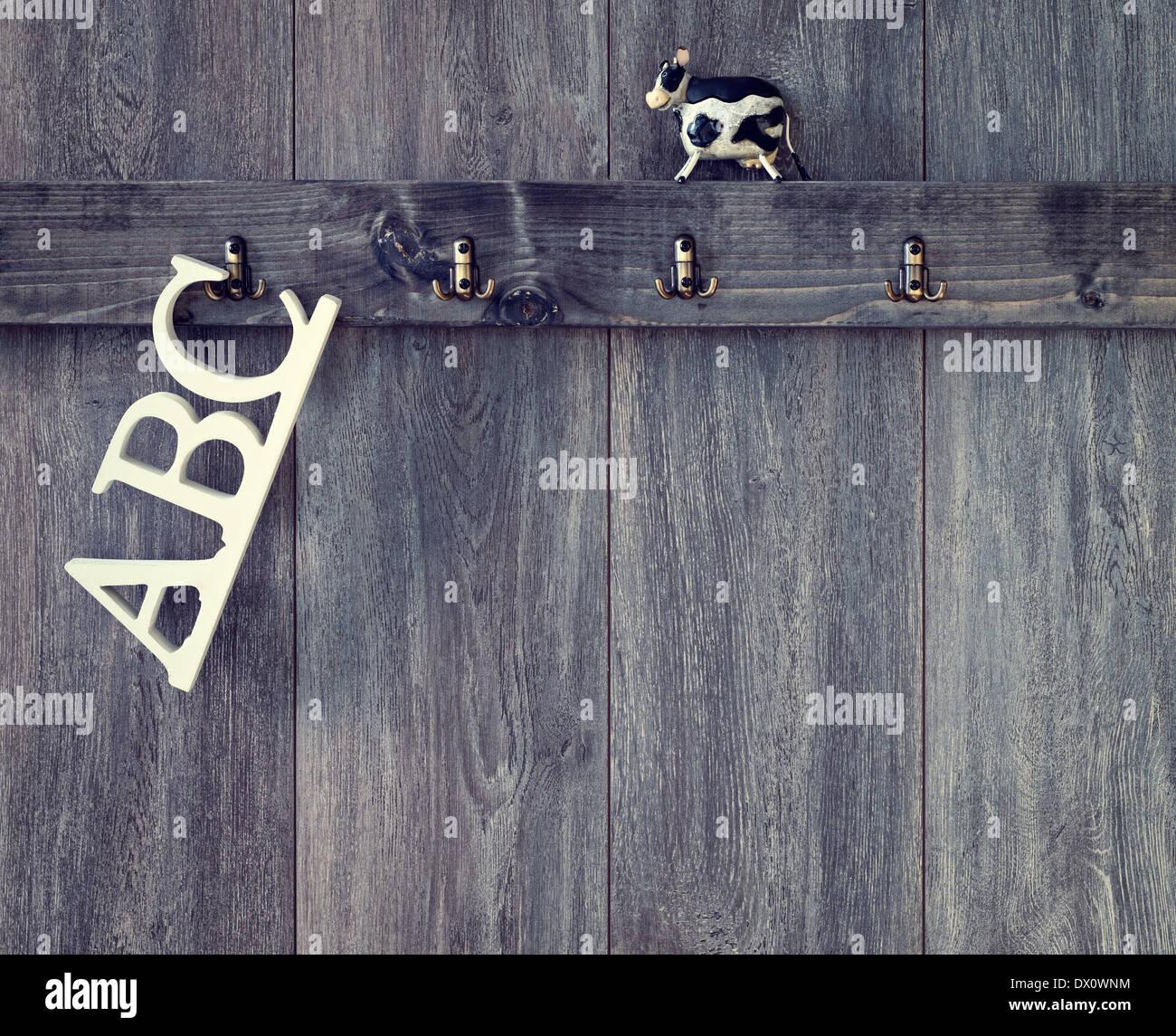 Abc Buchstaben Hangen Kinderzimmer Wand Mit Spielzeug Kuh