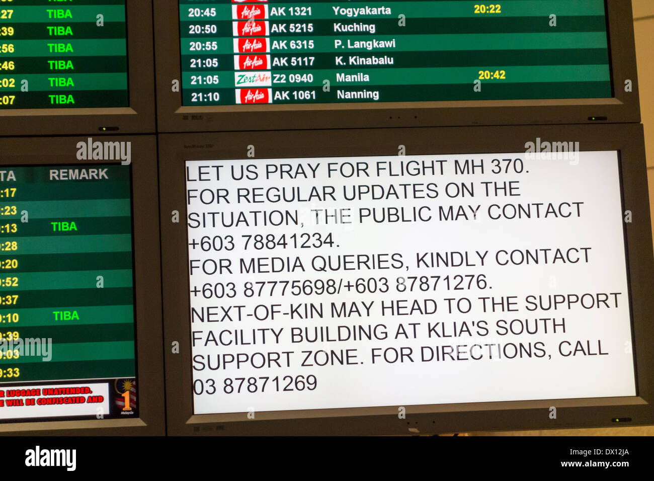 KLIA Kuala Lumpur International Airport Monitor Bildschirm Nachricht fehlt Malaysia Airlines Flug MH370 Samstag, 8. März 2014 Stockbild