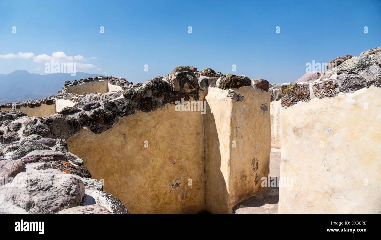 labyrinthische Gänge geben Zugang zu inneren Labyrinth von Palast von 6 Terrassen in antiken Ruinen der Stadt von Yagul Oaxaca Zustand Stockbild