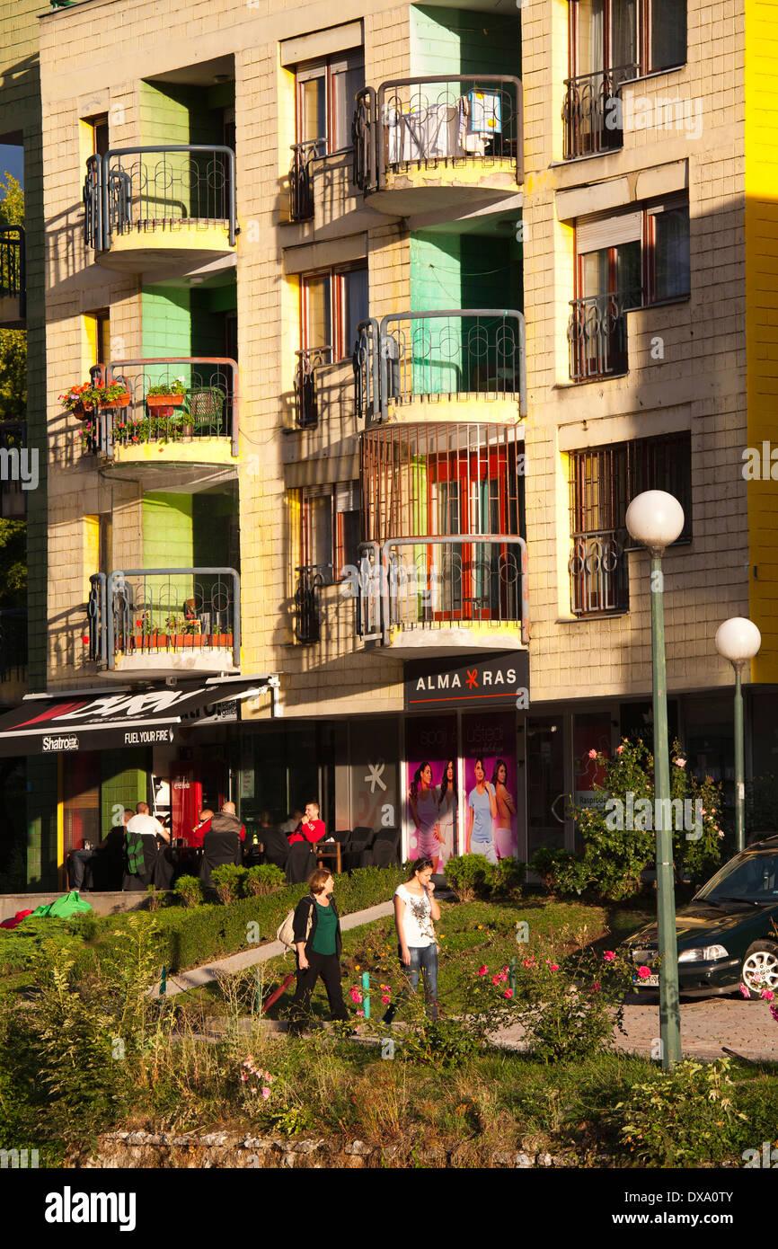 moderne Häuser, Sarajevo, Bosnien und Herzegowina, Europa Stockfoto ...