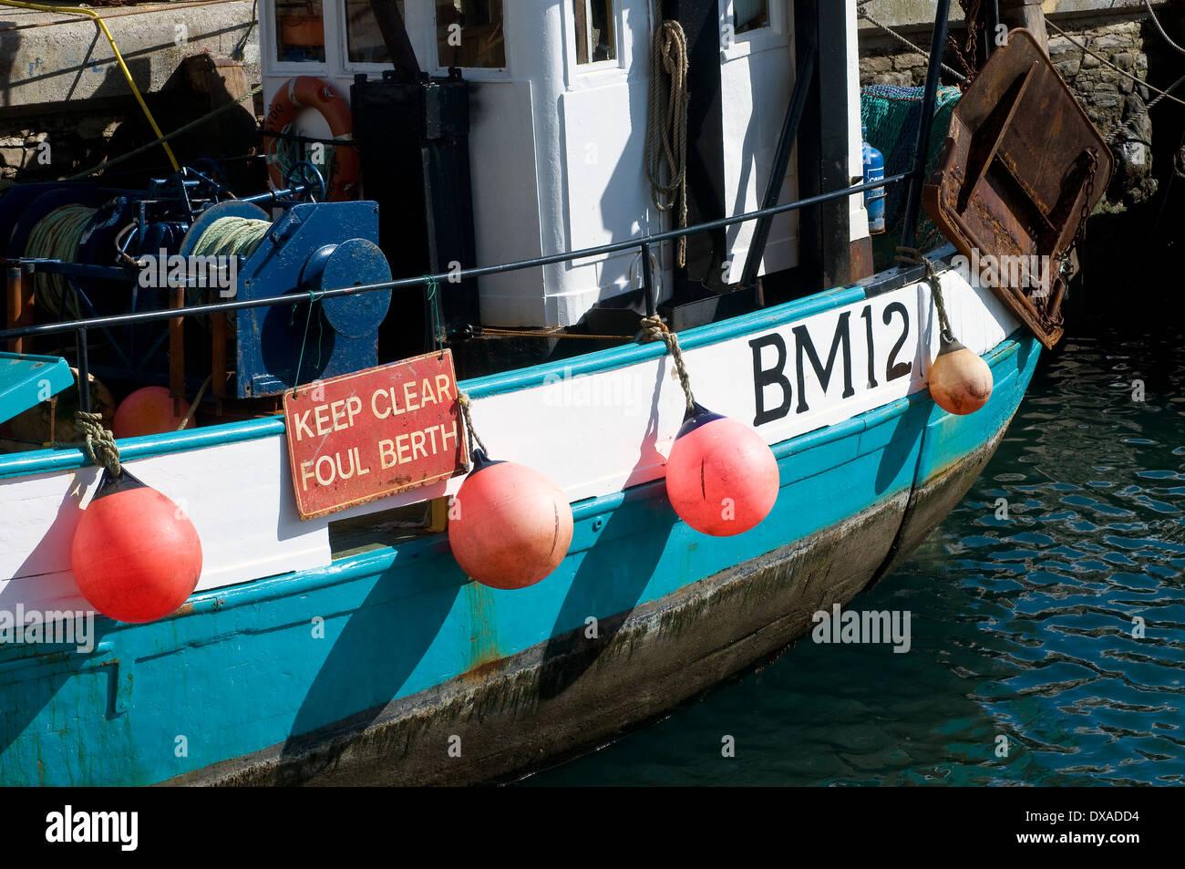 Brixham Fischereiflotte, bm 12, halten klaren foul Liegeplatz, foul Liegeplatz, Mast, Masten, Freizeit, Nautik, Seemann, Ma, Trap, Rockport, Horizont Stockbild