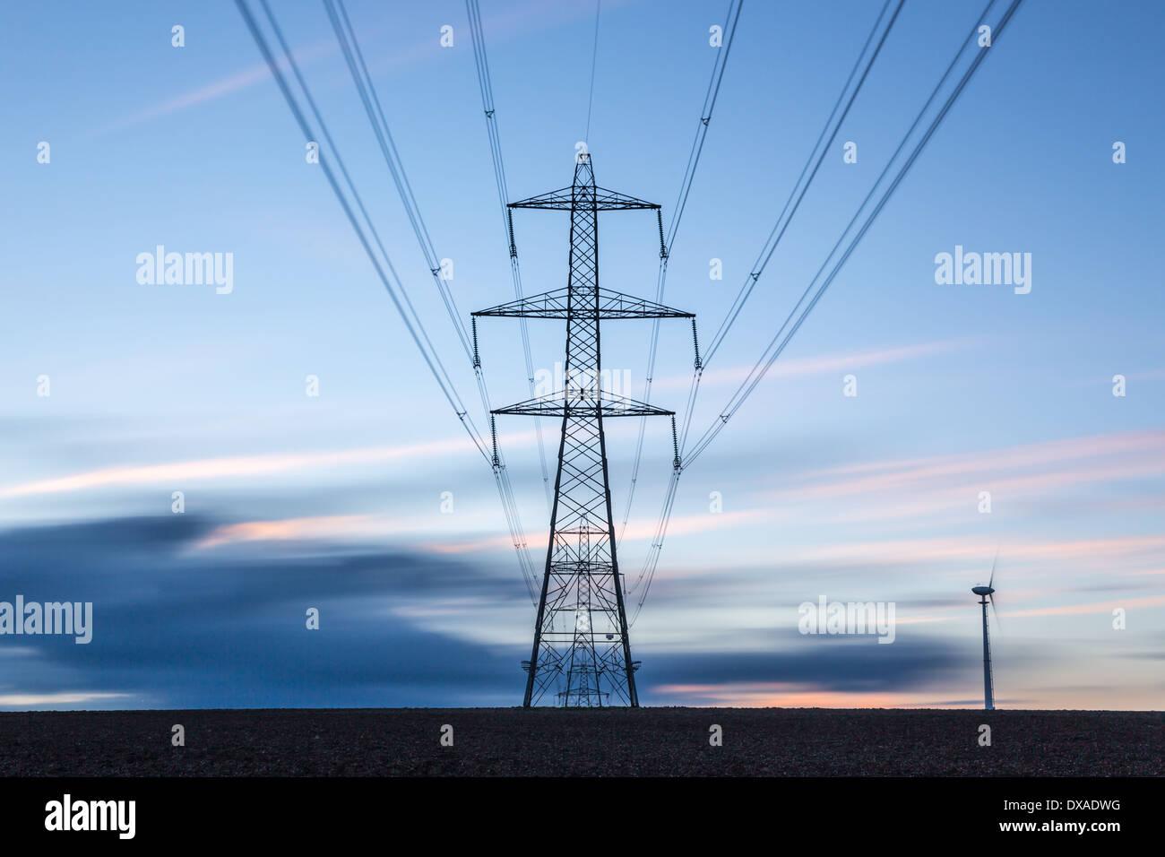 Strom-Masten Stockbild