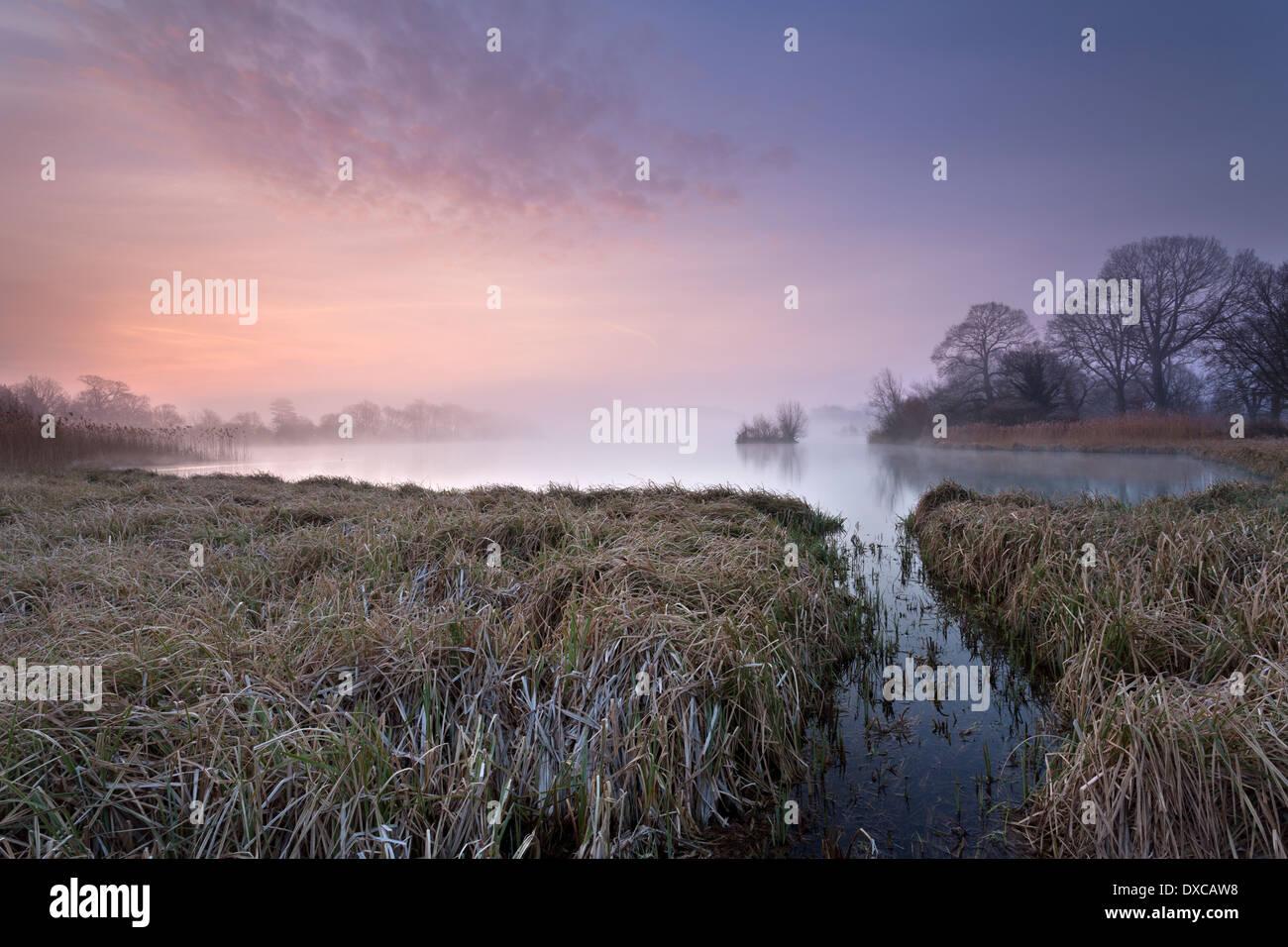 Sonnenaufgang am großen See, Castle Howard, North Yorkshire, UK. Stockbild