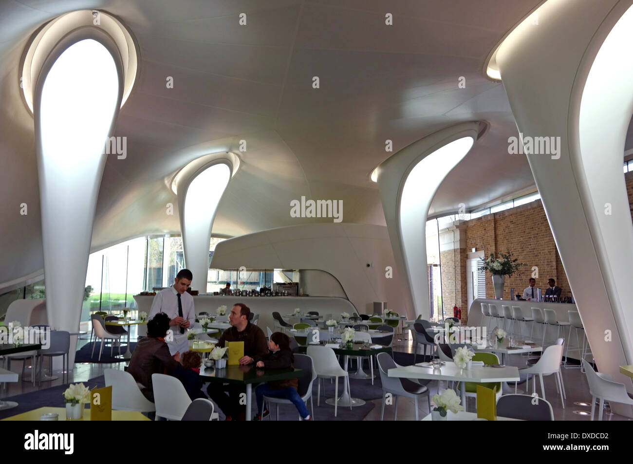 serpentine sackler gallery the magazine cafeteria architektin zaha hadid london stockfoto. Black Bedroom Furniture Sets. Home Design Ideas