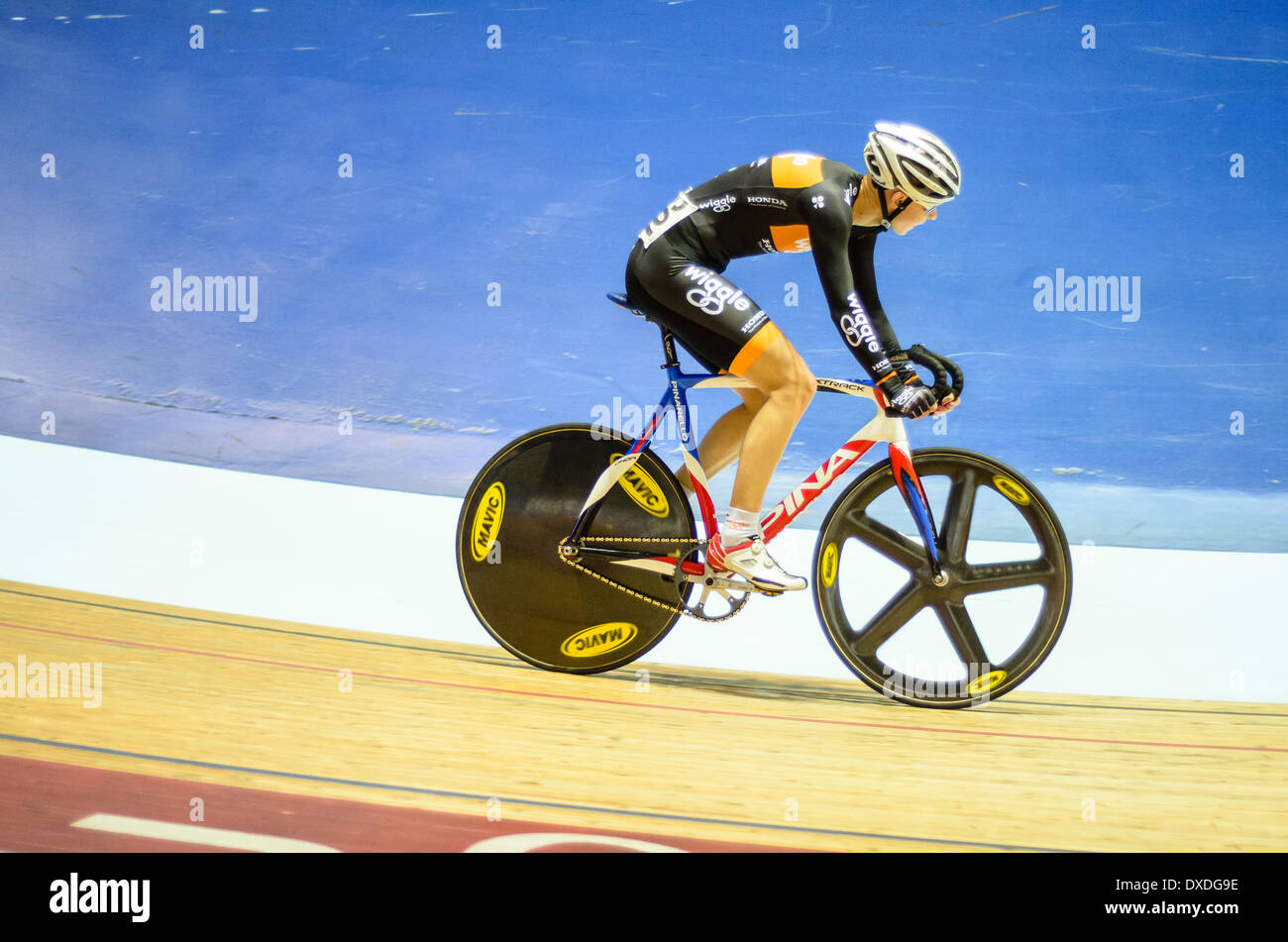 Welt und olympische Champion Joanna Rowsell Revolution Serie trifft im Manchester Velodrome oder National Cycling Stockbild