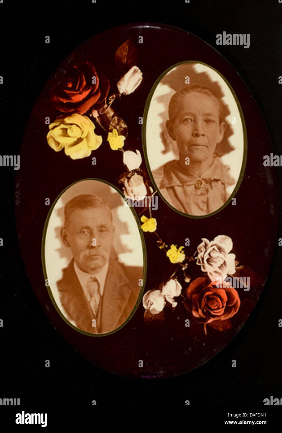 Zwei nicht identifizierte Porträts mit Rosen zwei nicht identifizierte Porträts mit Rosen Stockbild