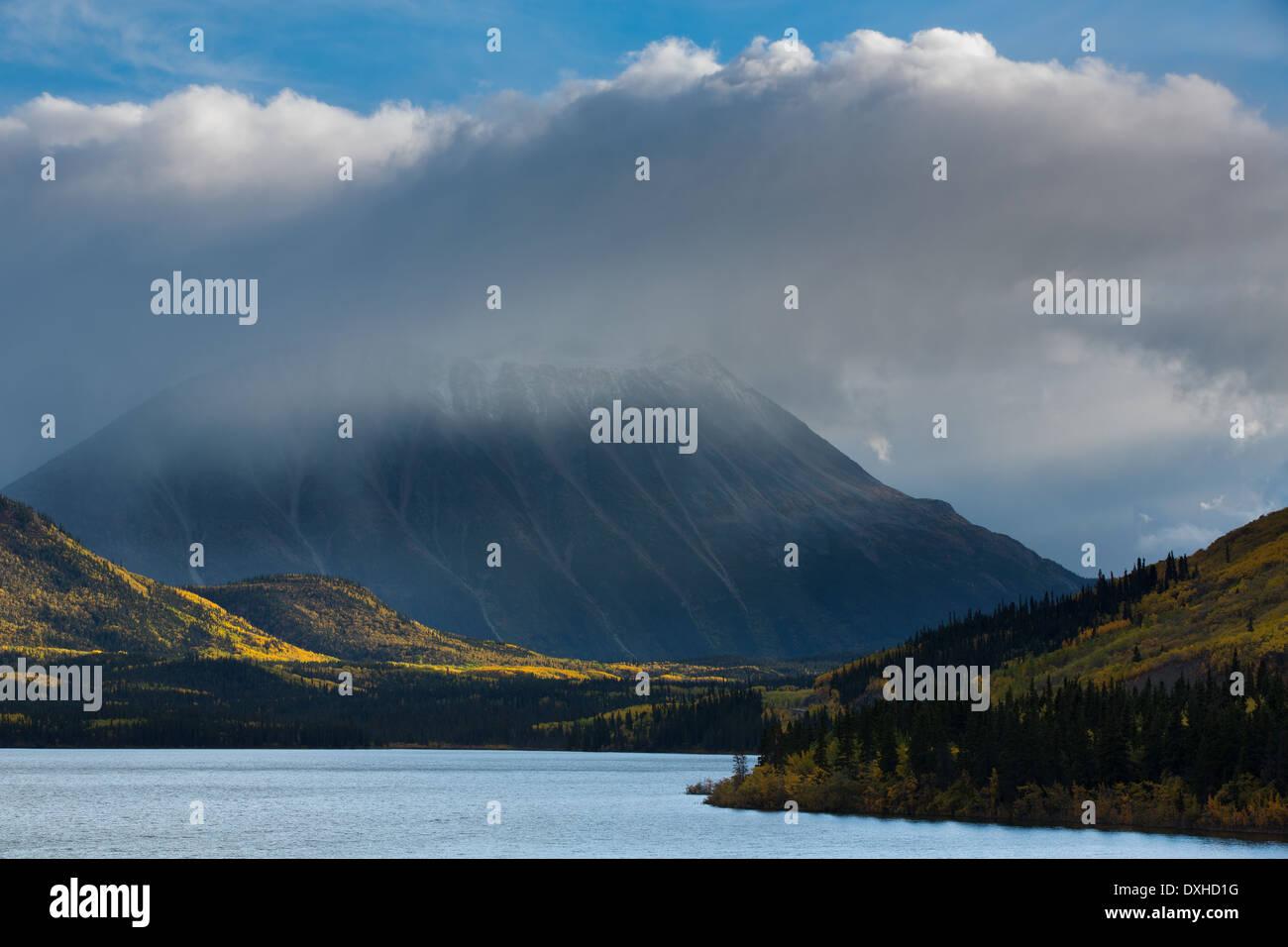 Tushti See & Young Peak, British Columbia, Kanada Stockbild