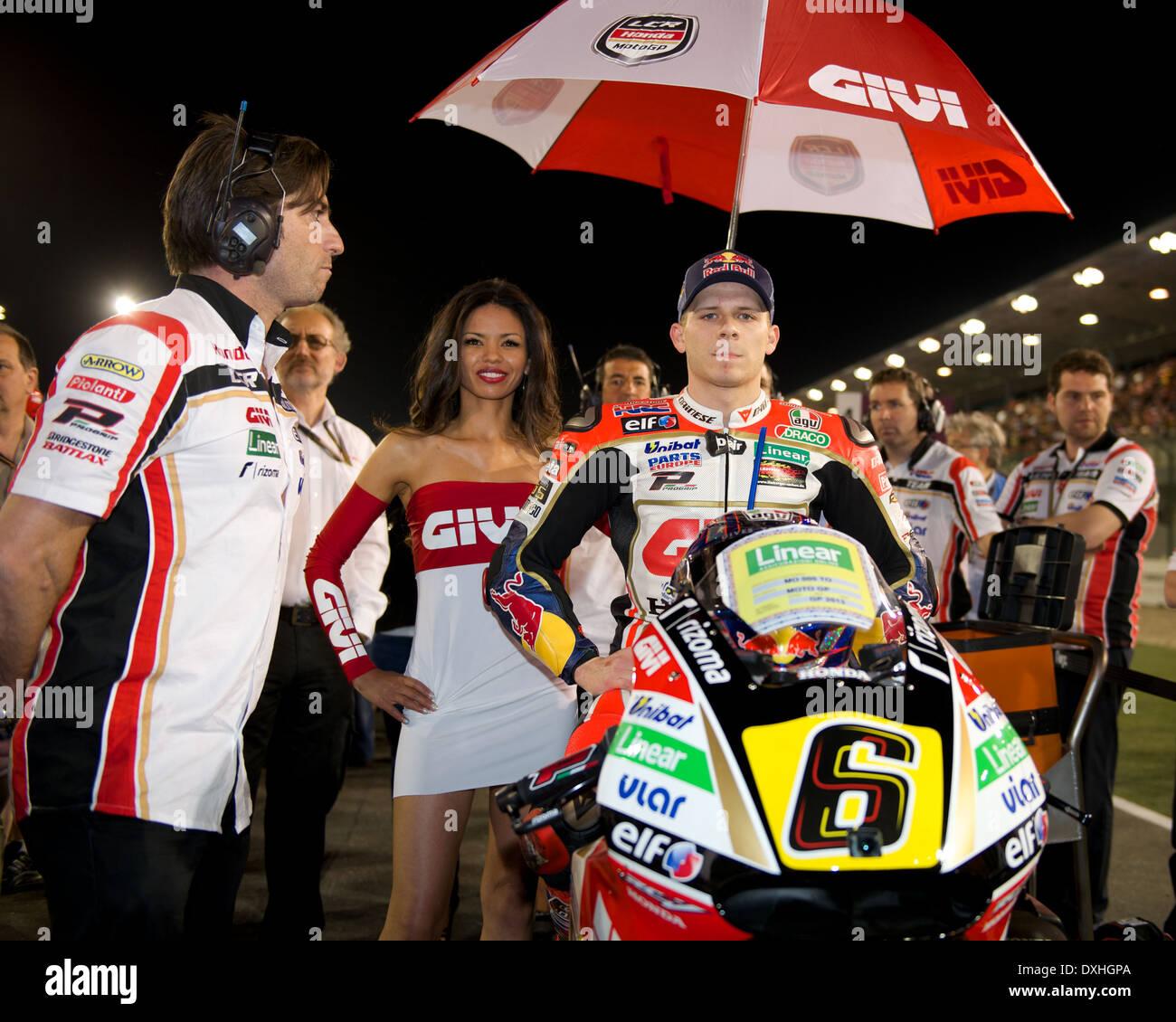 Losail International Circuit, Katar.  MotoGP-Fahrer warten auf Start Raster Stockfoto