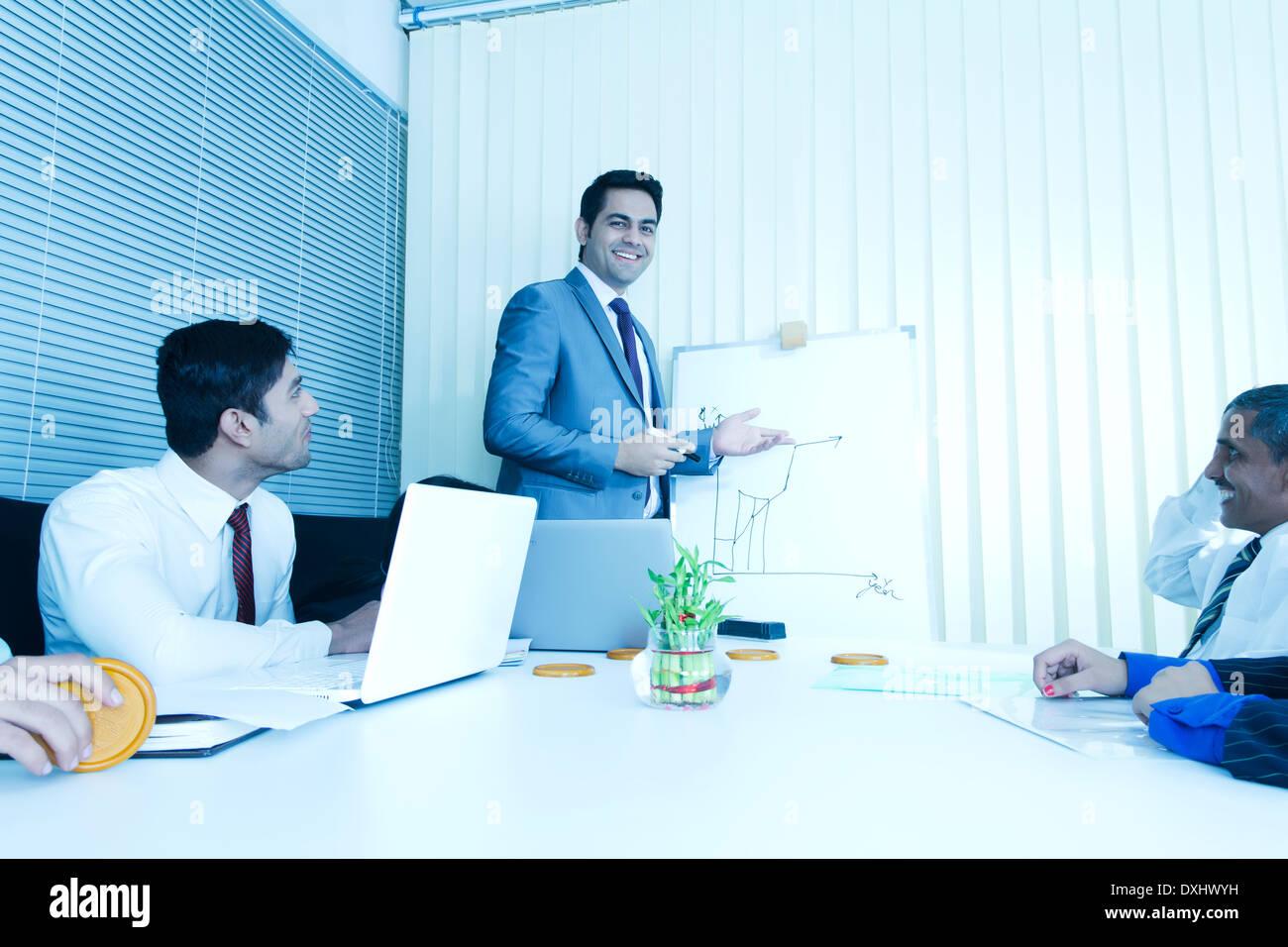 Indischen Geschäft Leute treffen im Büro Stockfoto