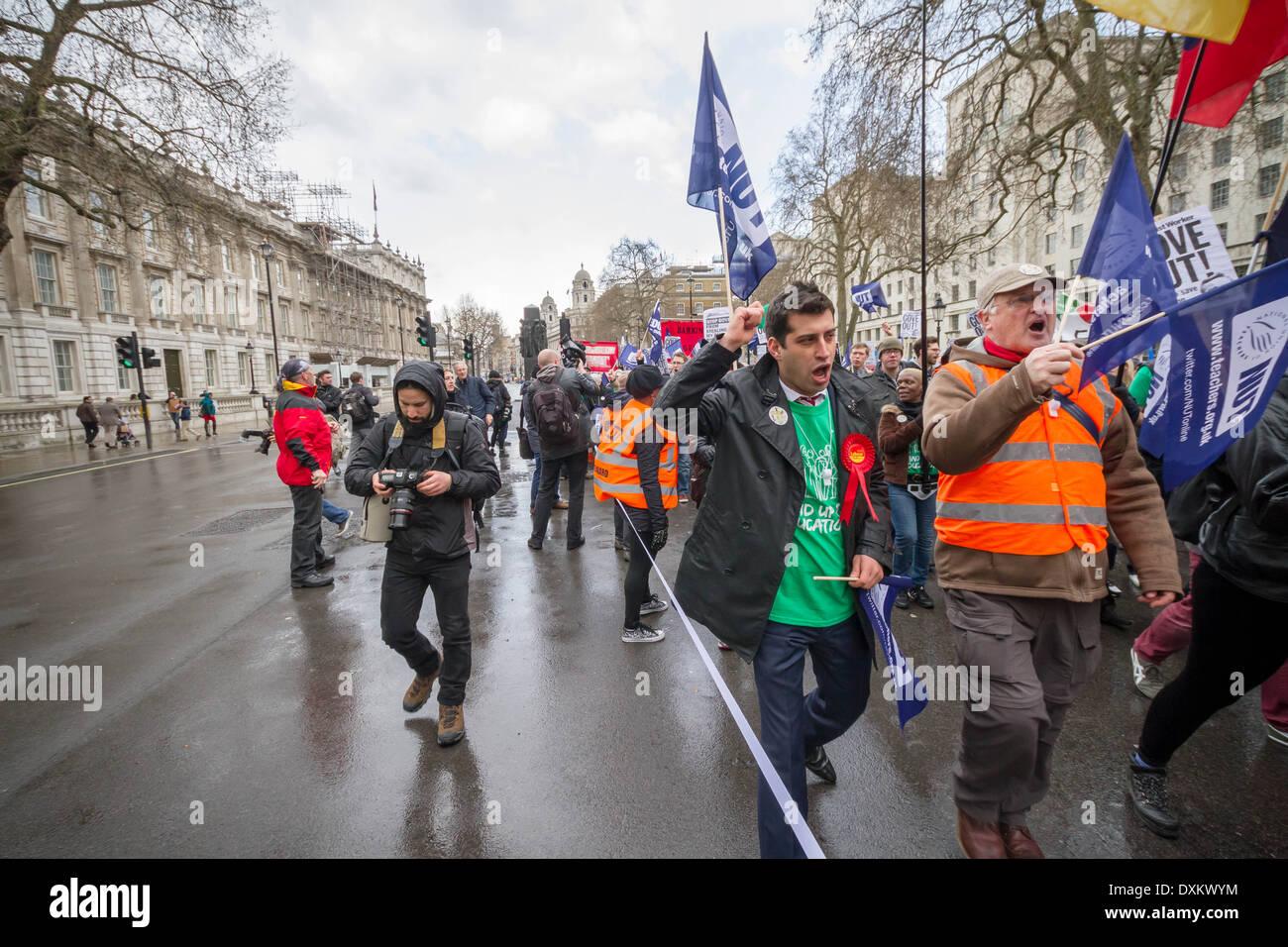 Tausende von Lehrern Streik März auf Mutter Tag in London Stockbild