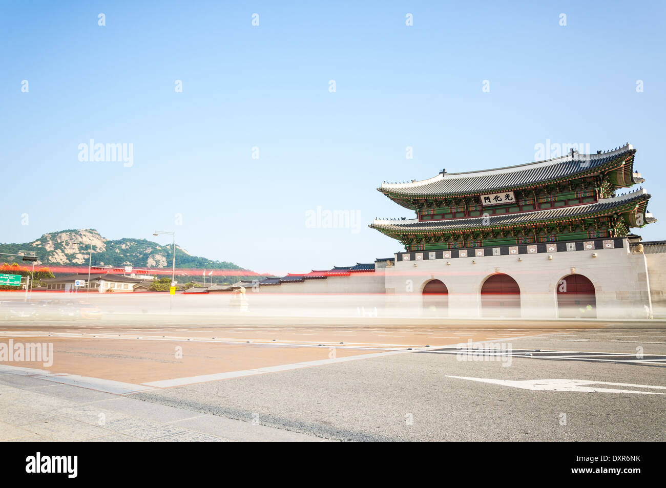 Traditionelle koreanische Architektur im Gyeongbokgung Palace in Seoul, Südkorea. Stockbild