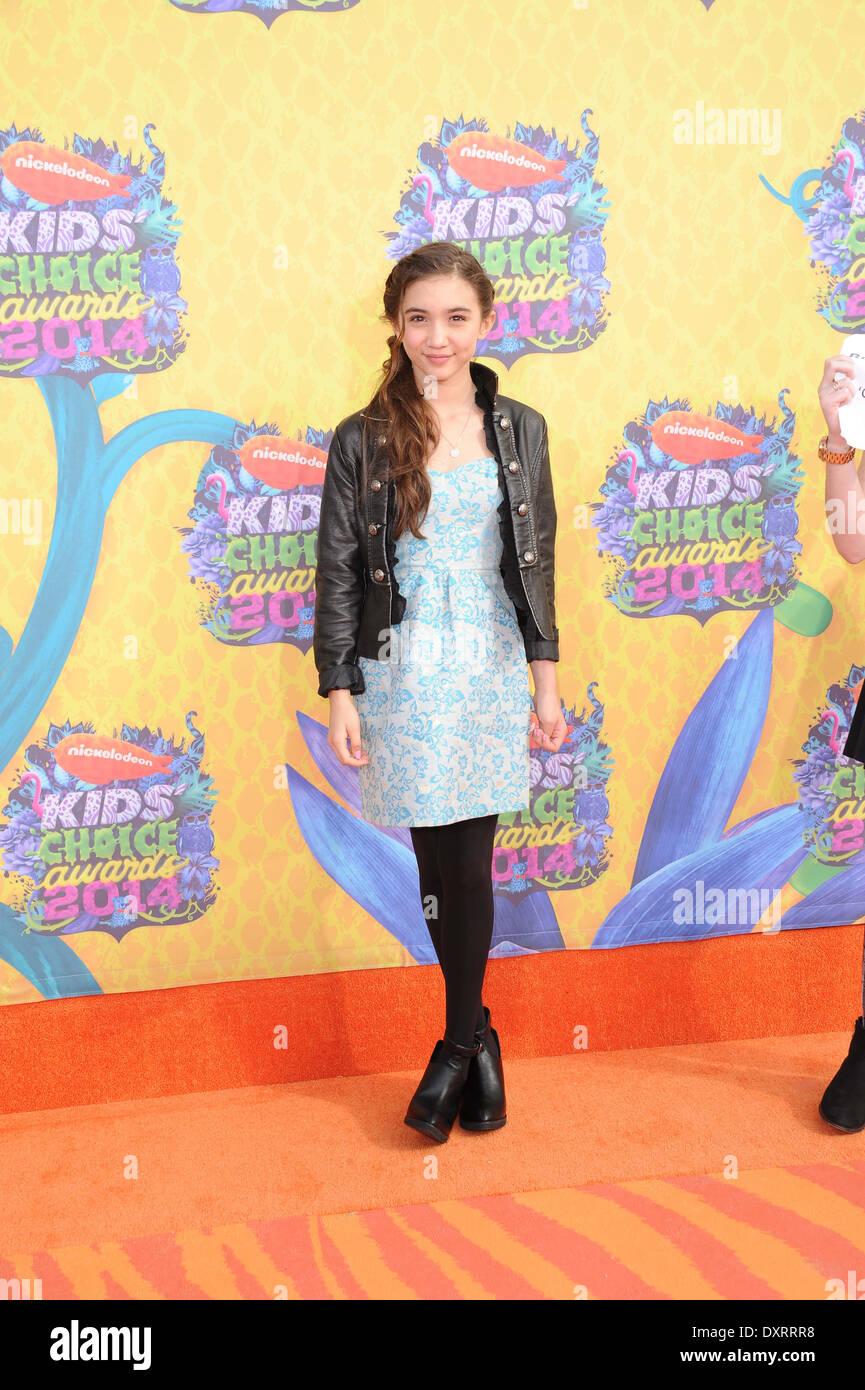 Los Angeles, CA, USA. 29. März 2014. Schauspielerin Rowan Blanchard kommt auf dem orangefarbenen Teppich von Nickelodeon Stockfoto