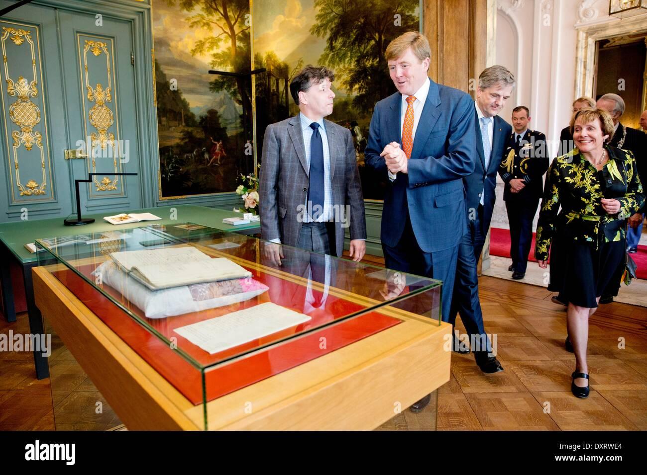 Verfwinkel Den Haag : König willem alexander der niederlande besucht die verfassung