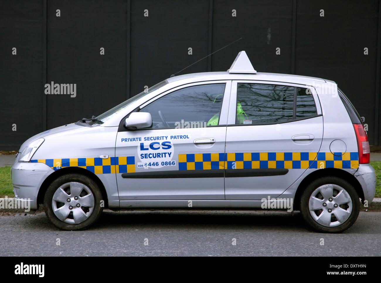 Private Sicherheitsdienste Patrouillenfahrzeug im wohlhabenden Viertel, London Stockbild