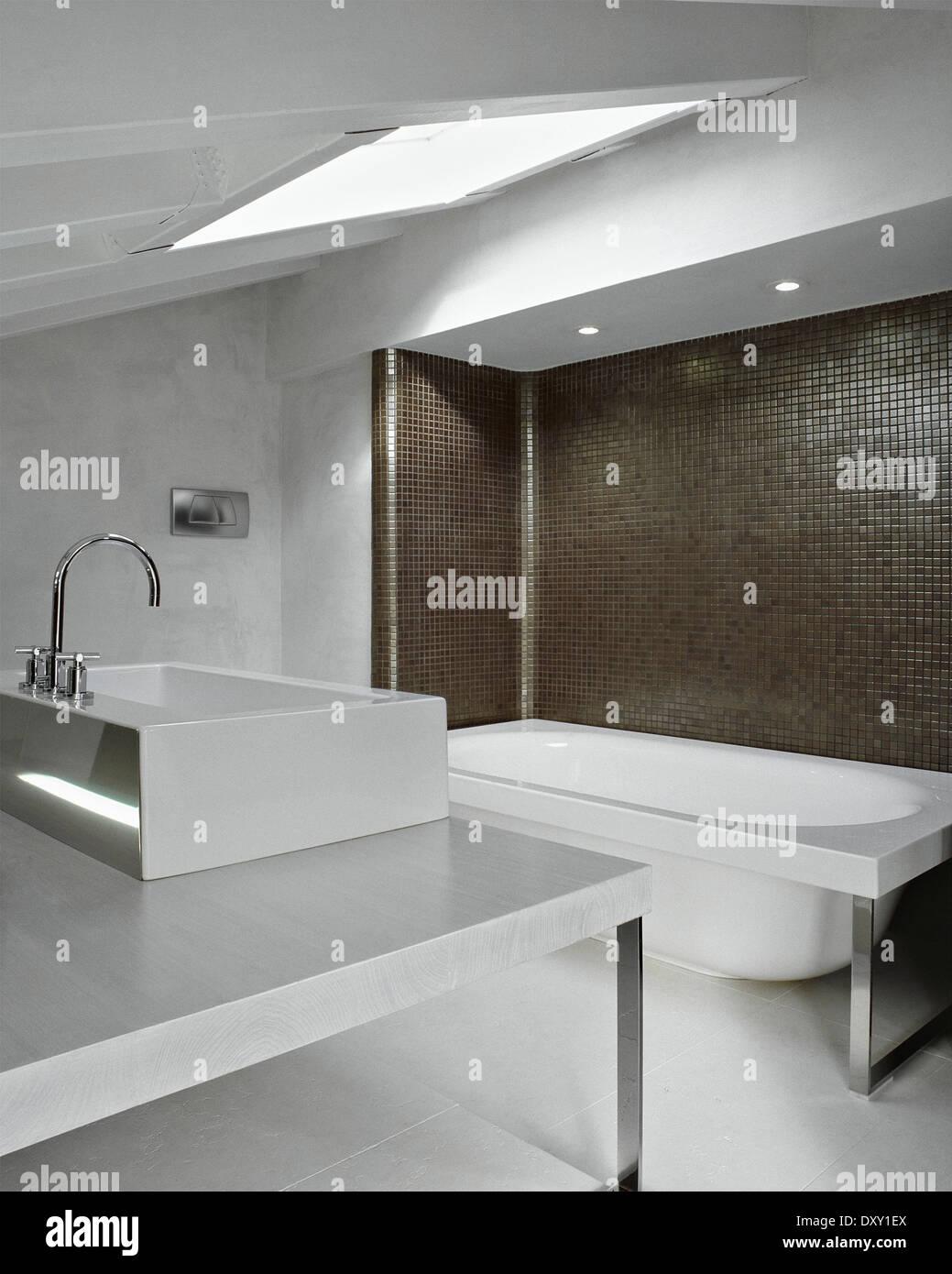 Dachboden Badezimmer Korper Dekor Stockfotos Dachboden