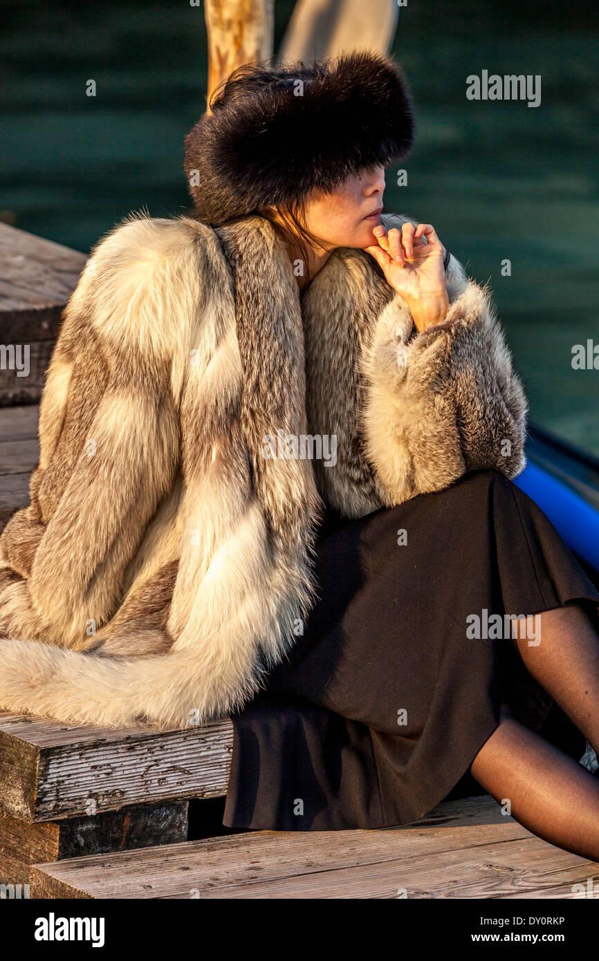 Wohlhabende Touristen, Markusplatz, Venedig, Italien Stockbild