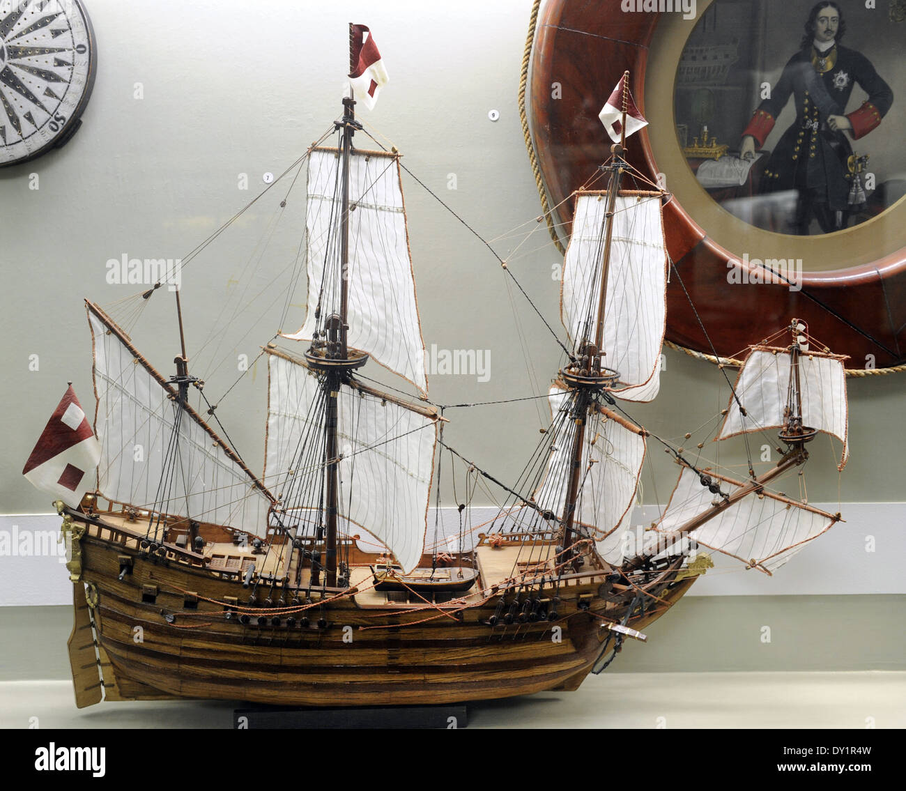 Geschichte der Navigation. Mittelalterliche Boot. Kunst-Modell. Museum of History und Navigation. Riga. Lettland. Stockbild