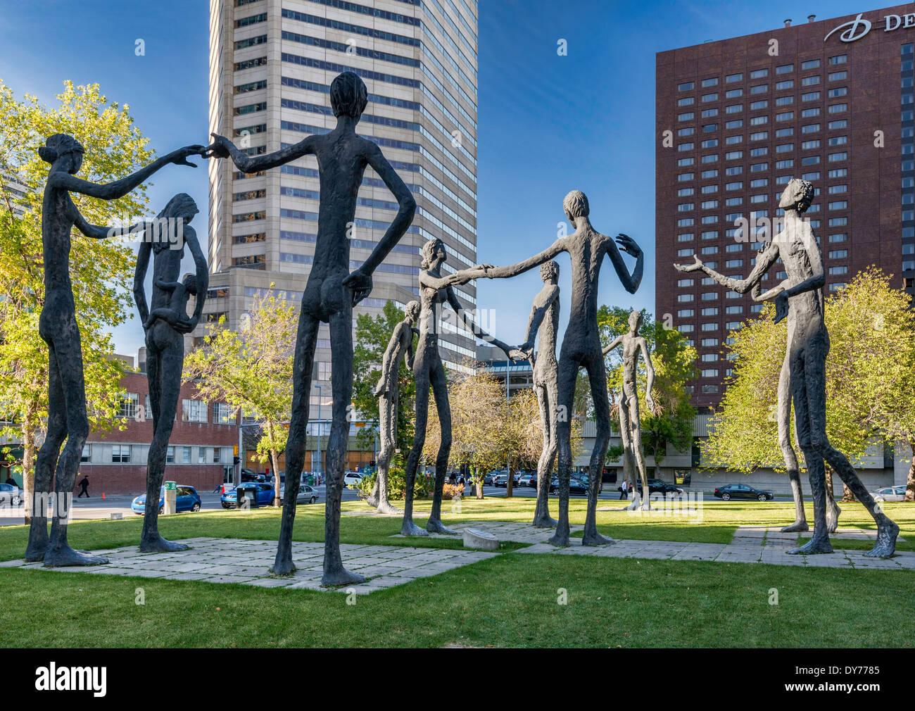 Der Familienvater, Skulpturen von Mario Armengol in der Innenstadt von Calgary, Alberta, Kanada Stockbild