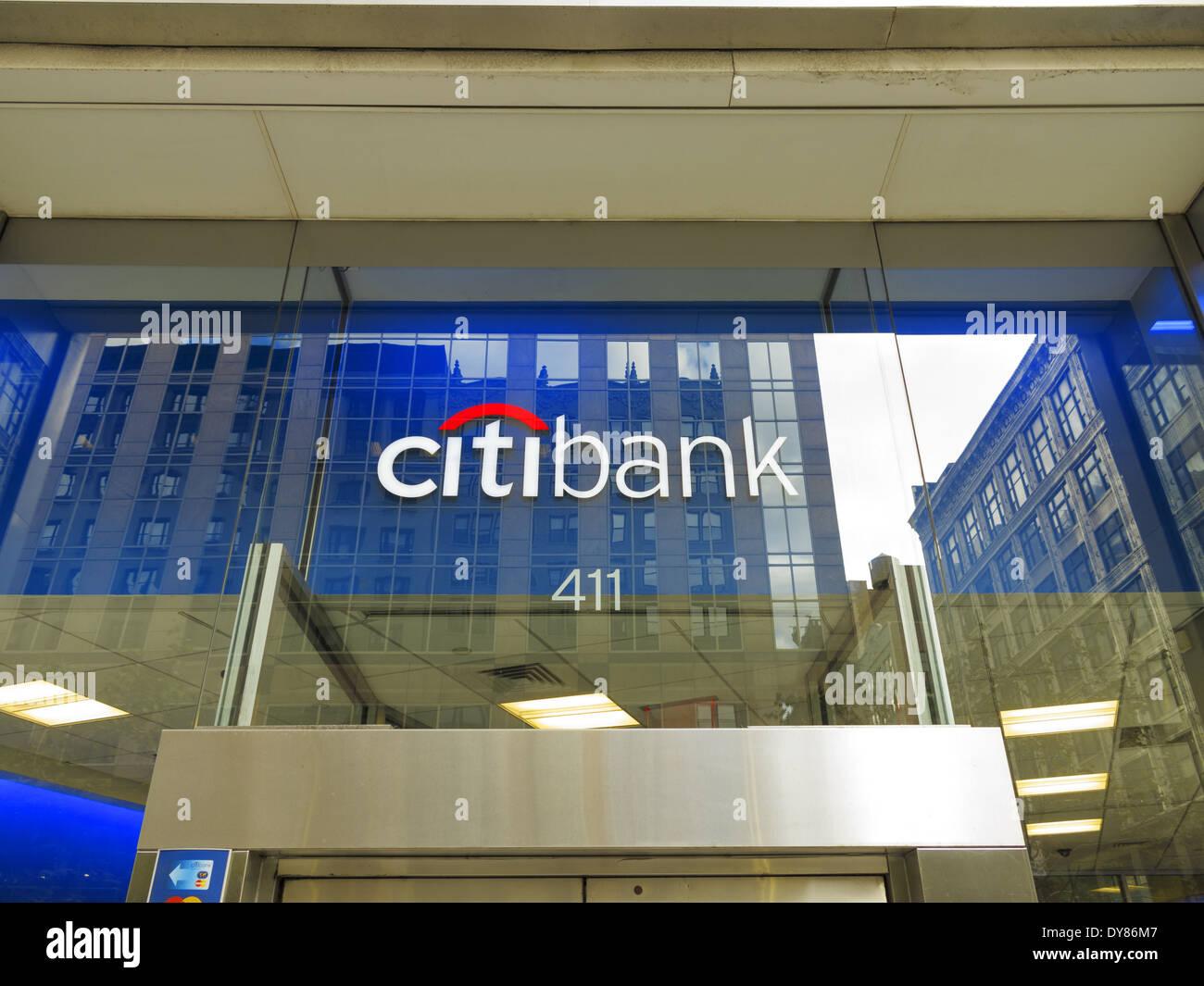 Citibank Logo über der Tür Fifth Avenue New York USA