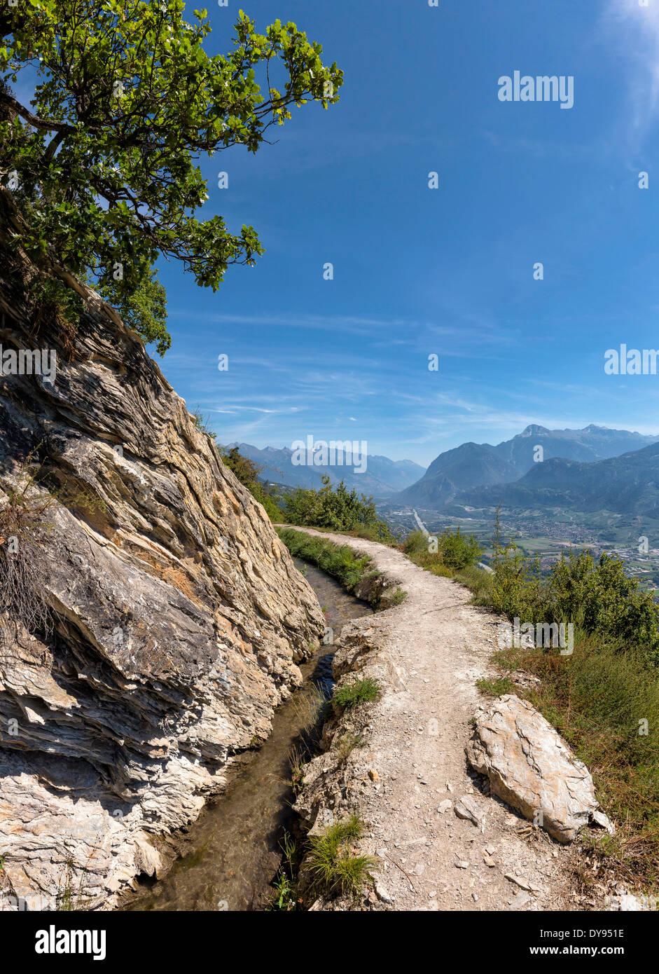 Grand Bisse de Lens, Bisse, Rhonetal, Landschaft, Sommer, Berge, Hügel, Objektiv, Wallis, Valais, Schweiz, Stockbild