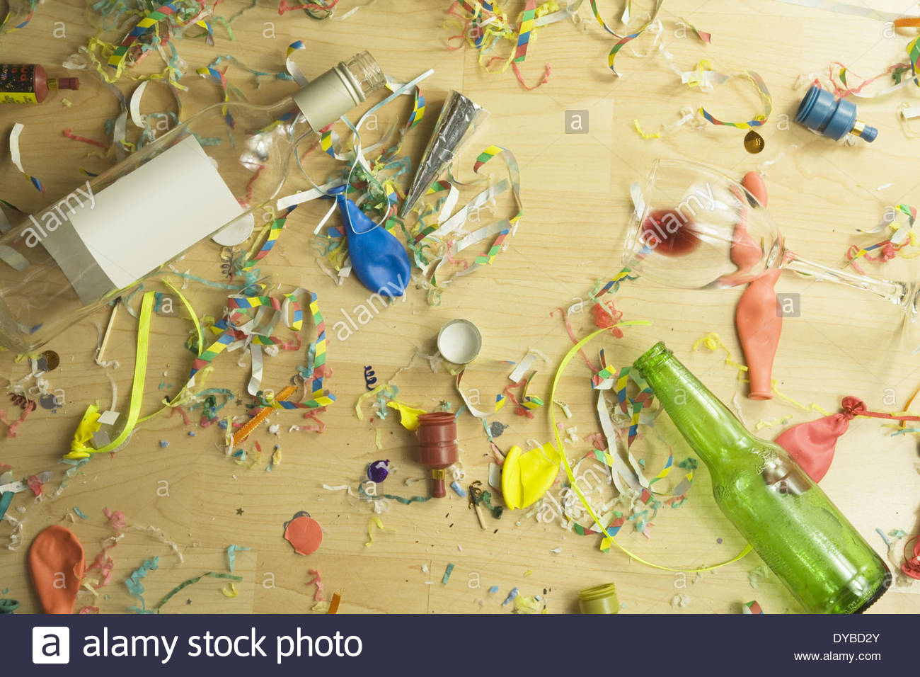 After Party Mess Stockfotos & After Party Mess Bilder - Alamy